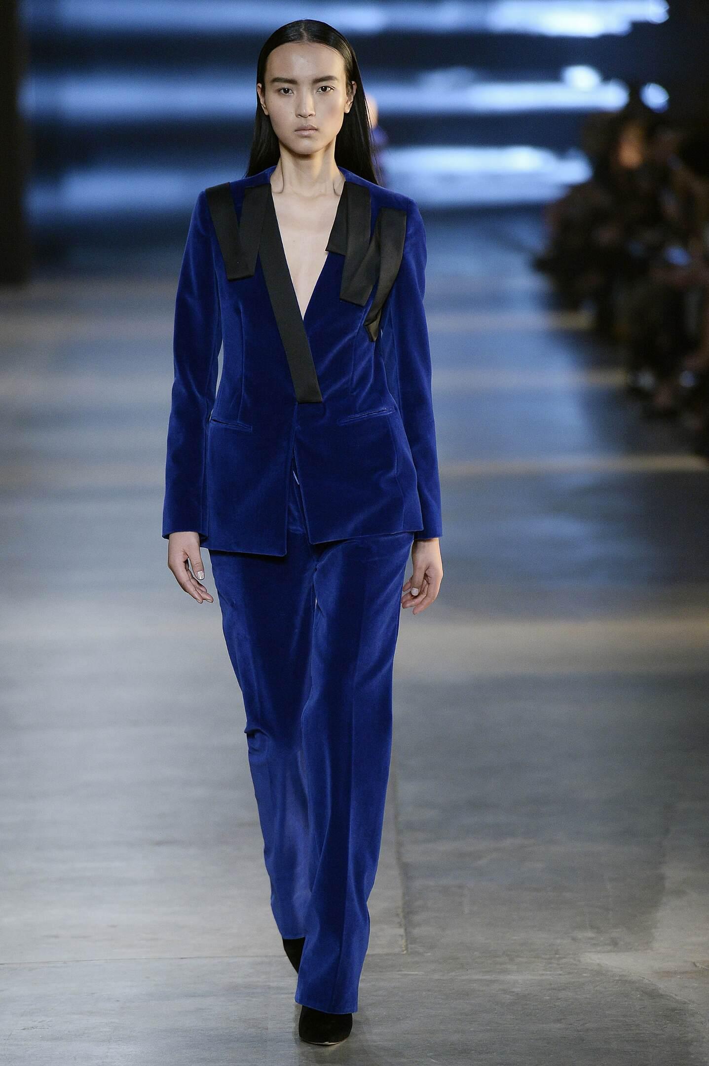 Runway Christopher Kane Fall Winter 2015 16 Women's Collection London Fashion Week
