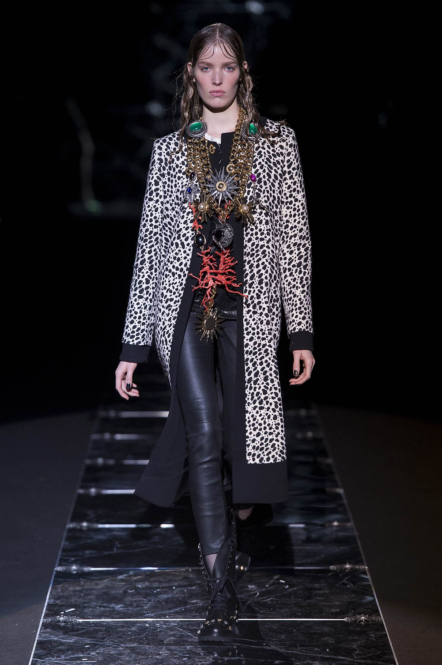 Runway Fausto Puglisi Fall Winter 2015 16 Women's Collection Milan Fashion Week
