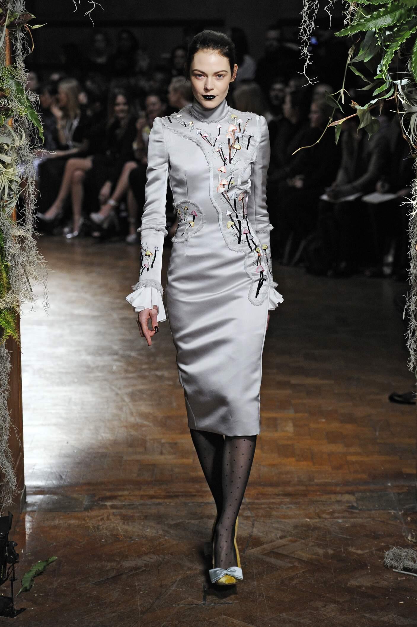 Runway Giles Fall Winter 2015 16 Women's Collection London Fashion Week