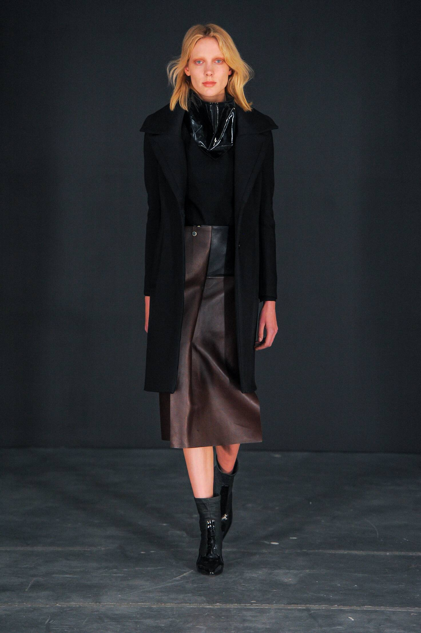 Thomas Tait Collection Fall 2015 Catwalk