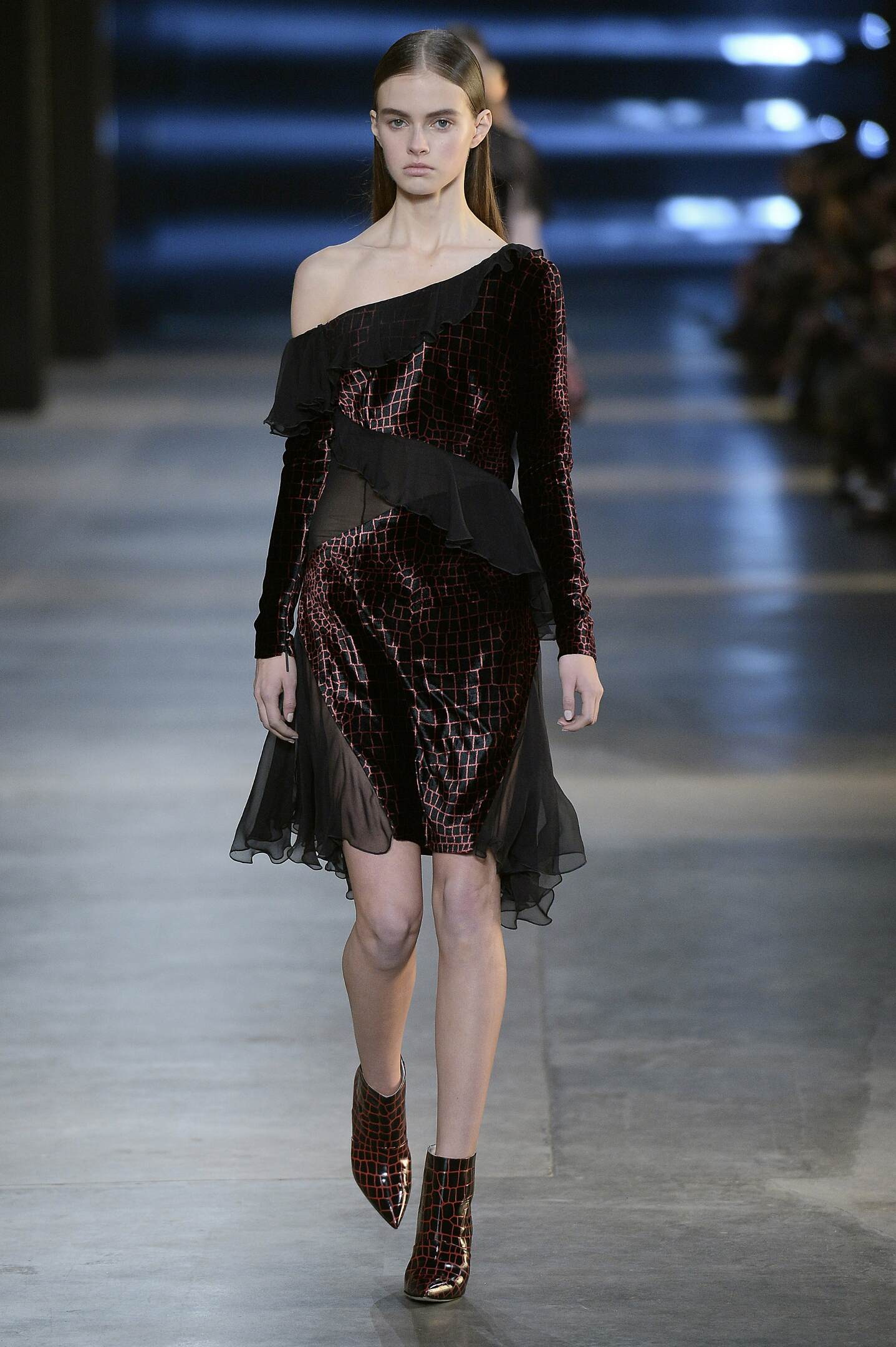 Winter 2015 Fashion Show Christopher Kane Collection