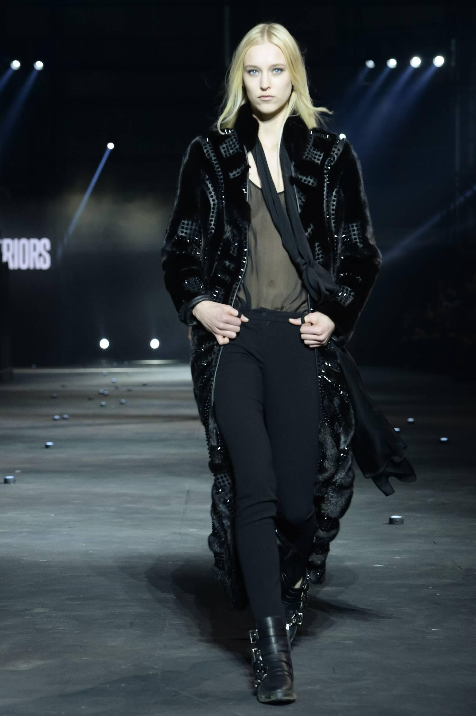 2015 Fashion Woman Model Philipp Plein Collection Catwalk