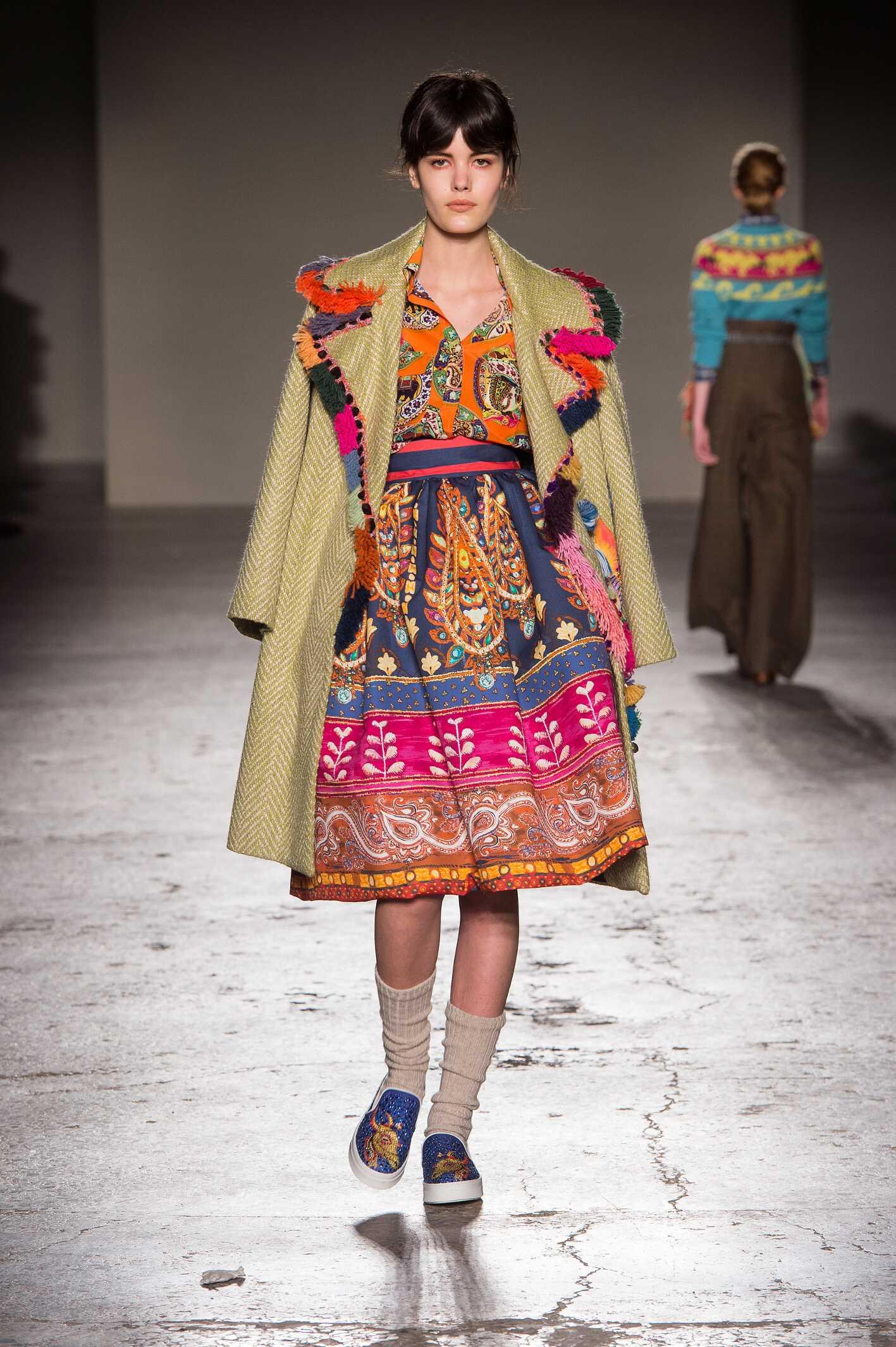 2015 Fashion Woman Model Stella Jean Collection Catwalk