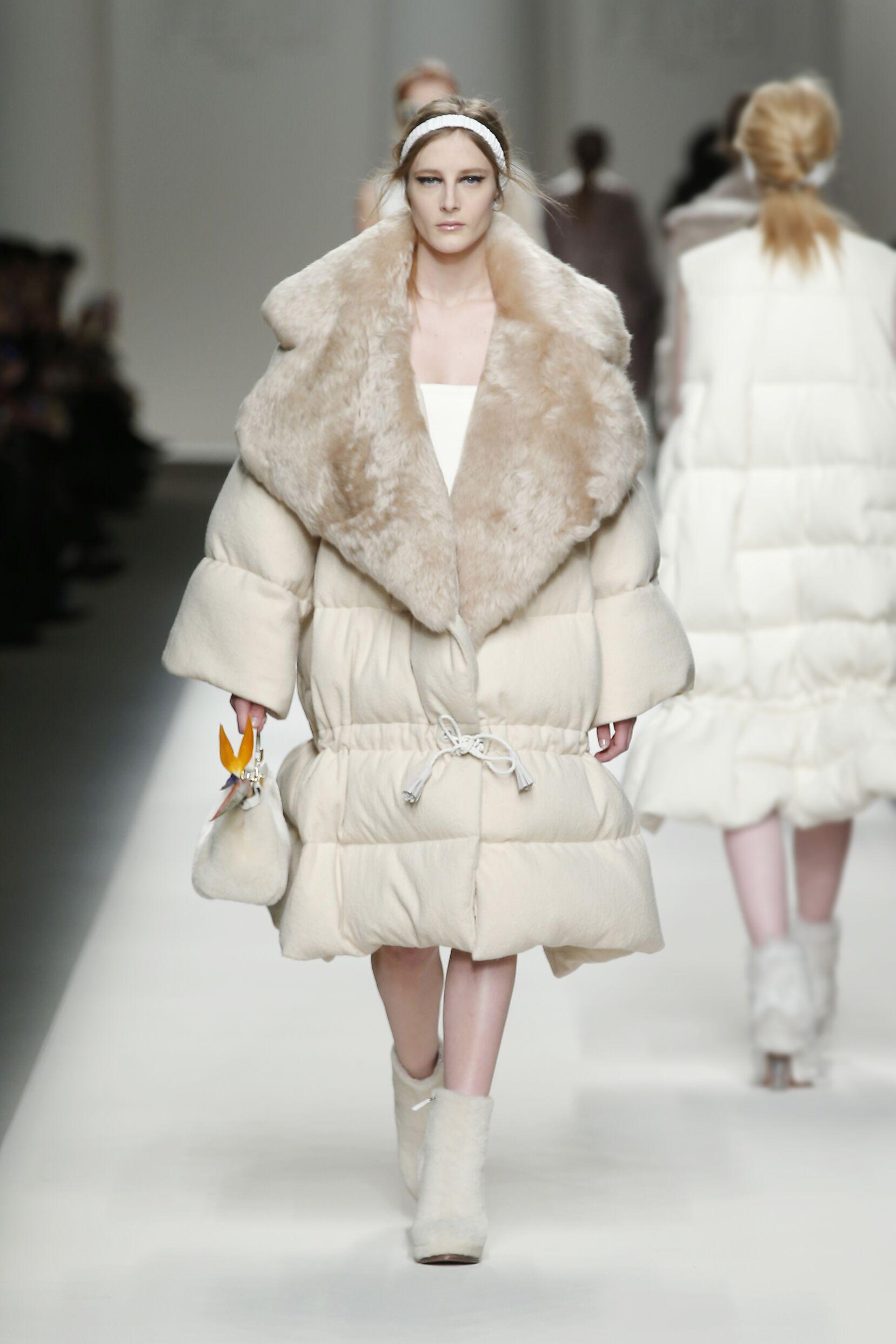 2015 16 Fall Winter Fashion Collection Fendi