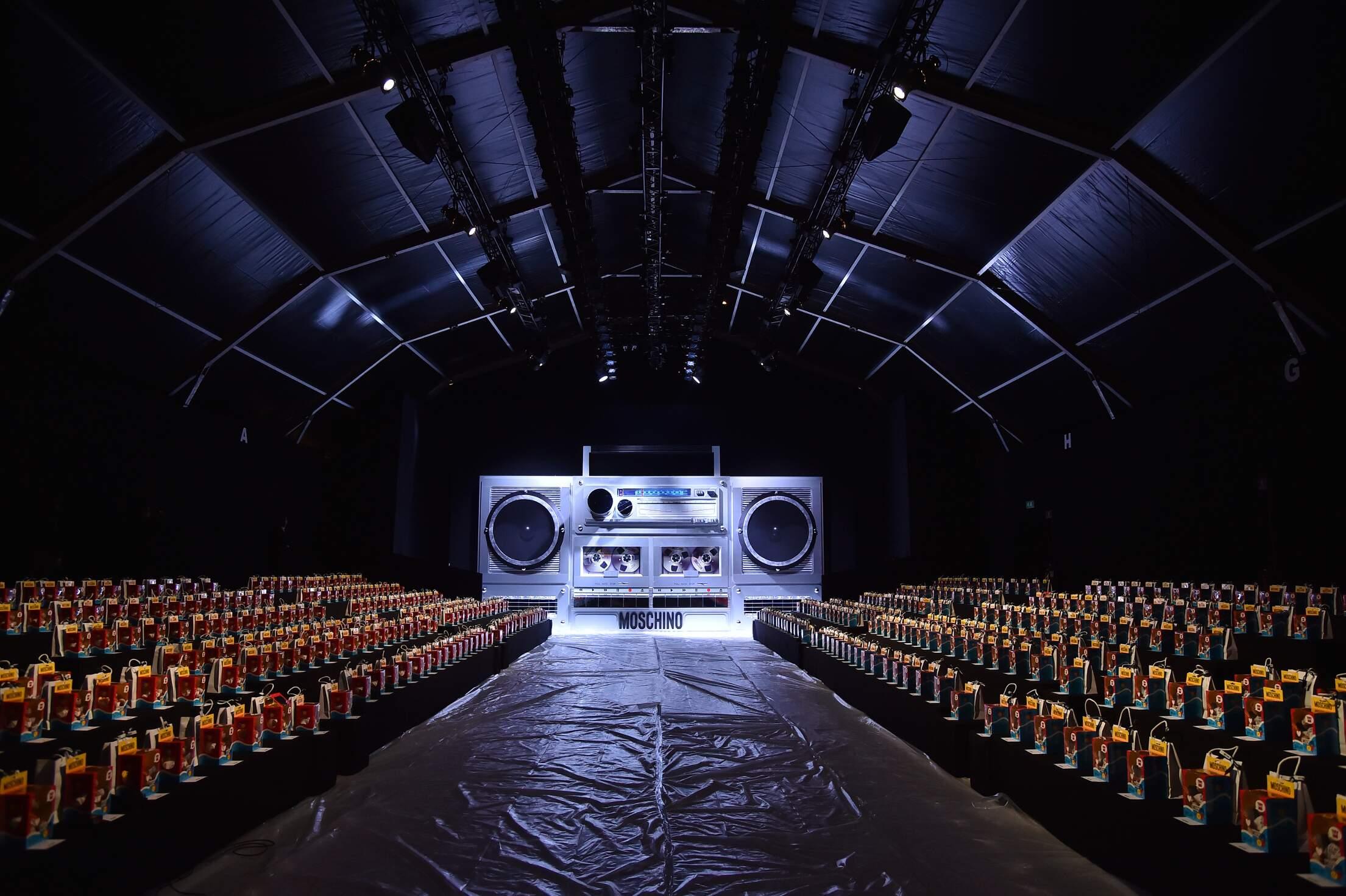 2015 Backstage Fashion Show