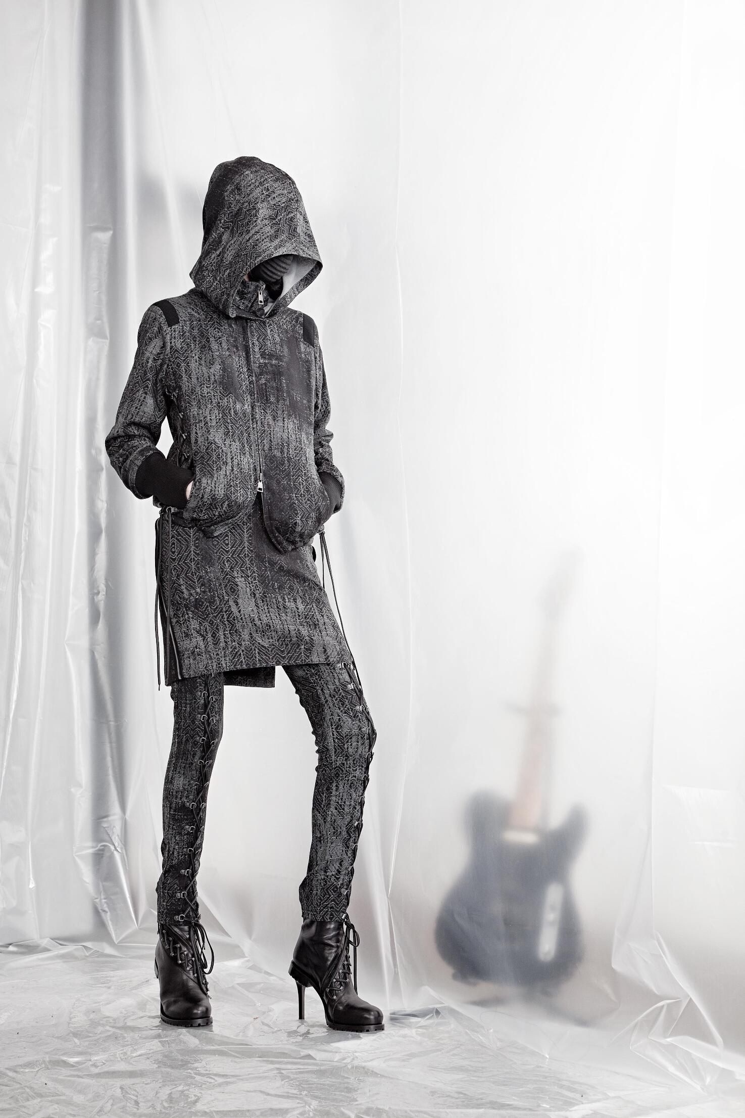 2015 Fashion Woman Model A.F. Vandevorst Collection Catwalk