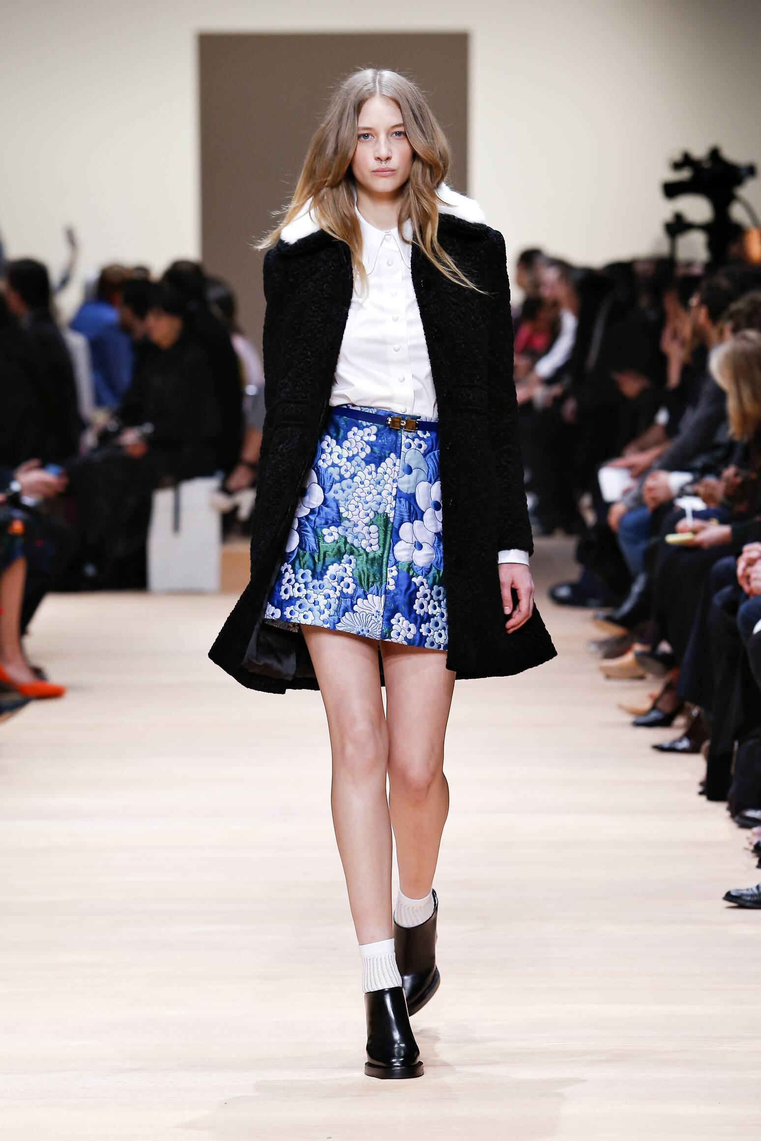 2015 Fashion Woman Model Carven Collection Catwalk