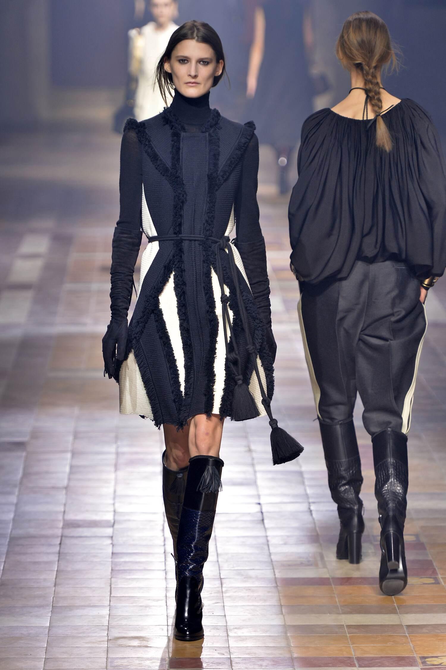 2015 Fashion Woman Model Lanvin Collection Catwalk