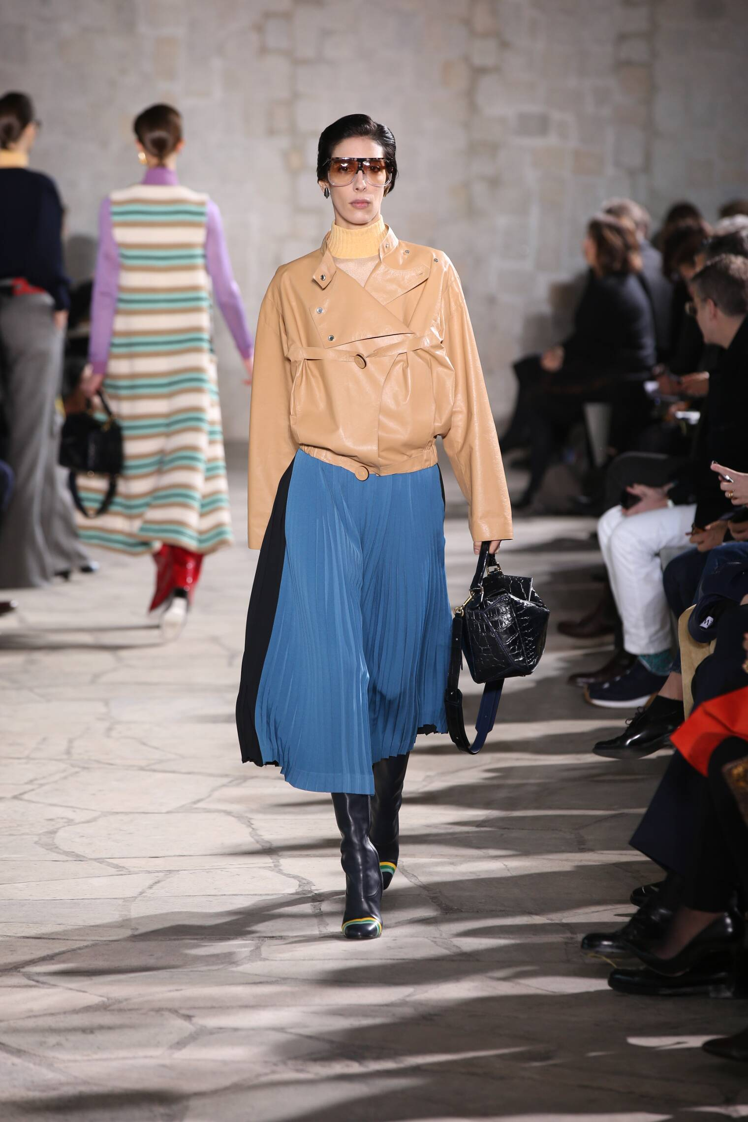 2015 Fashion Woman Model Loewe Collection Catwalk