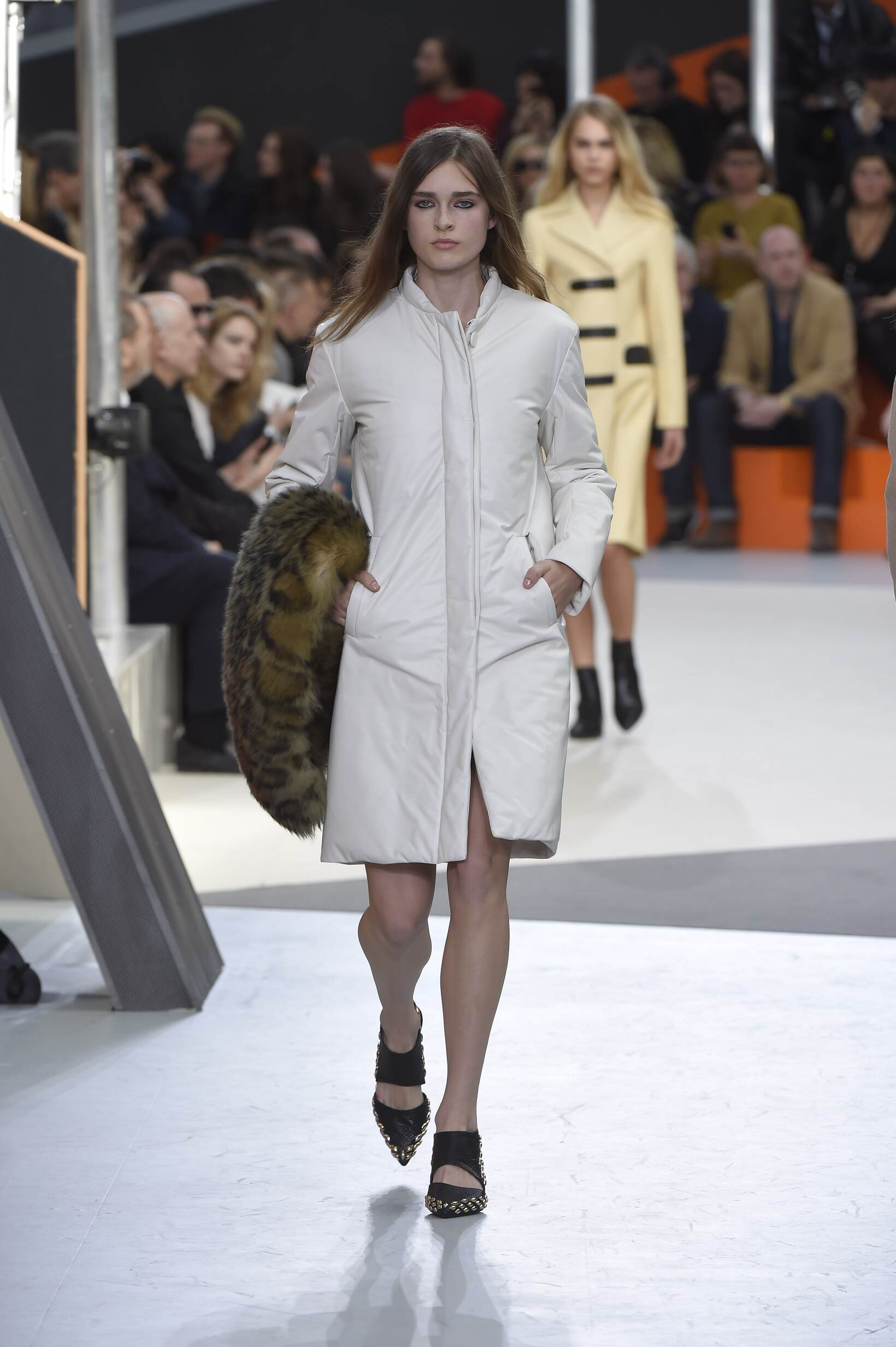 2015 Fashion Woman Model Louis Vuitton Collection Catwalk