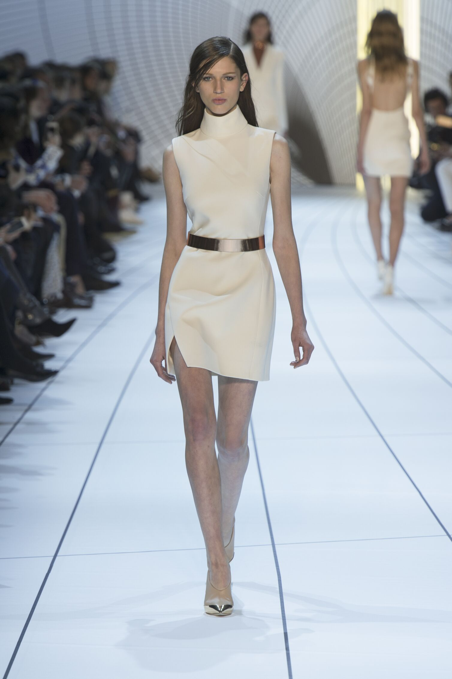 2015 Fashion Woman Model Mugler Collection Catwalk