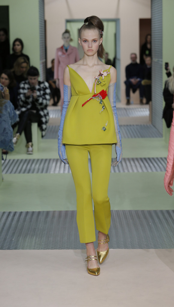 2015 Fashion Woman Model Prada Collection Catwalk