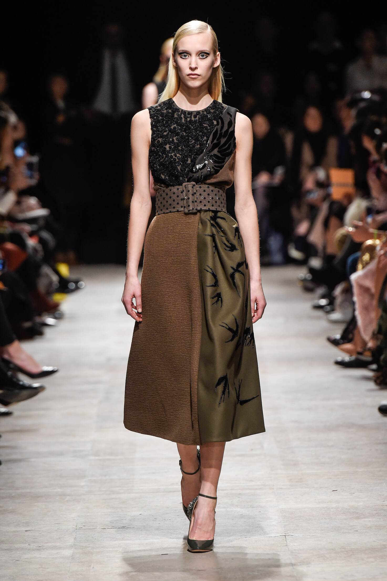 2015 Fashion Woman Model Rochas Collection Catwalk