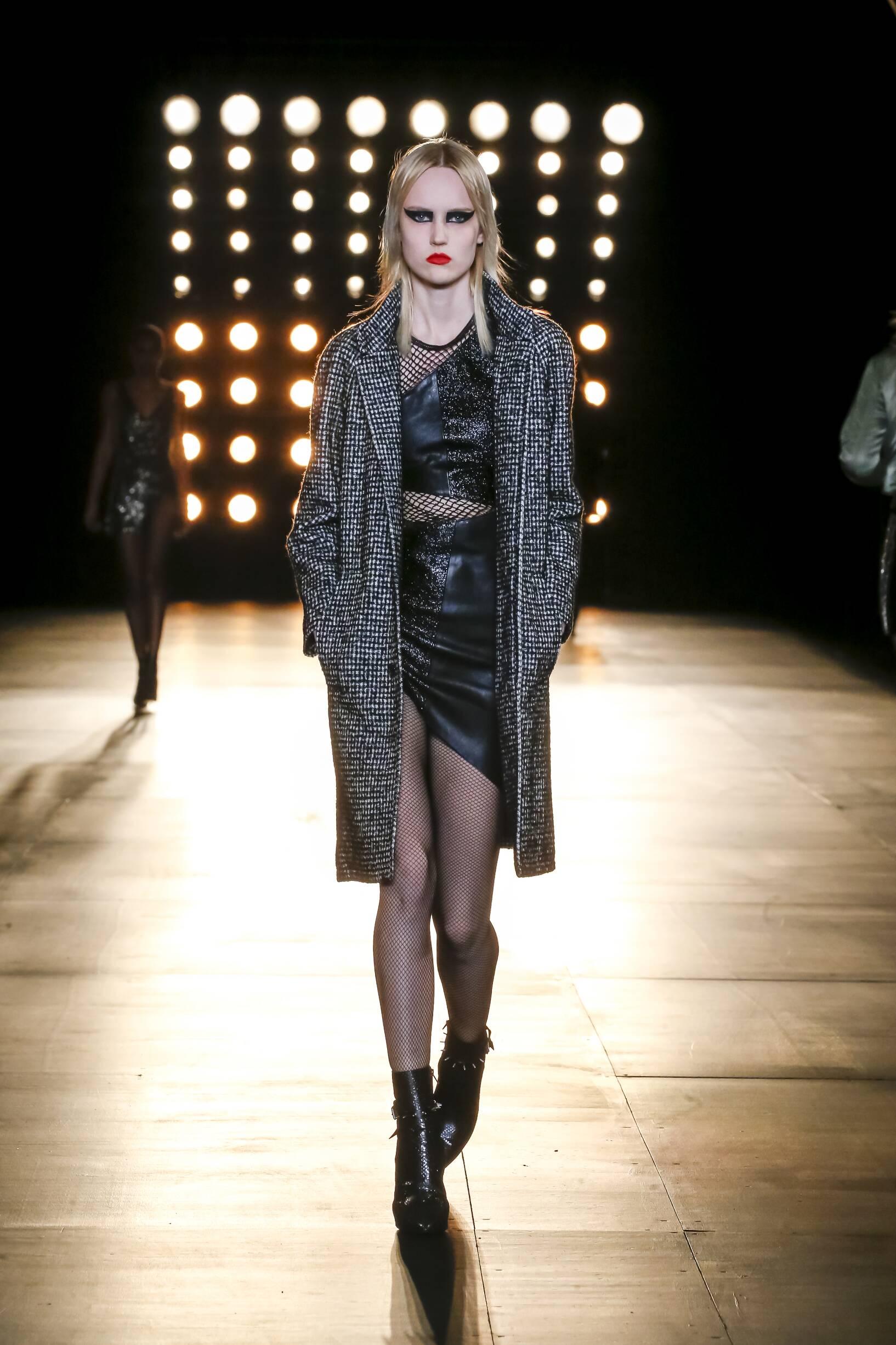 2015 Fashion Woman Model Saint Laurent Collection Catwalk