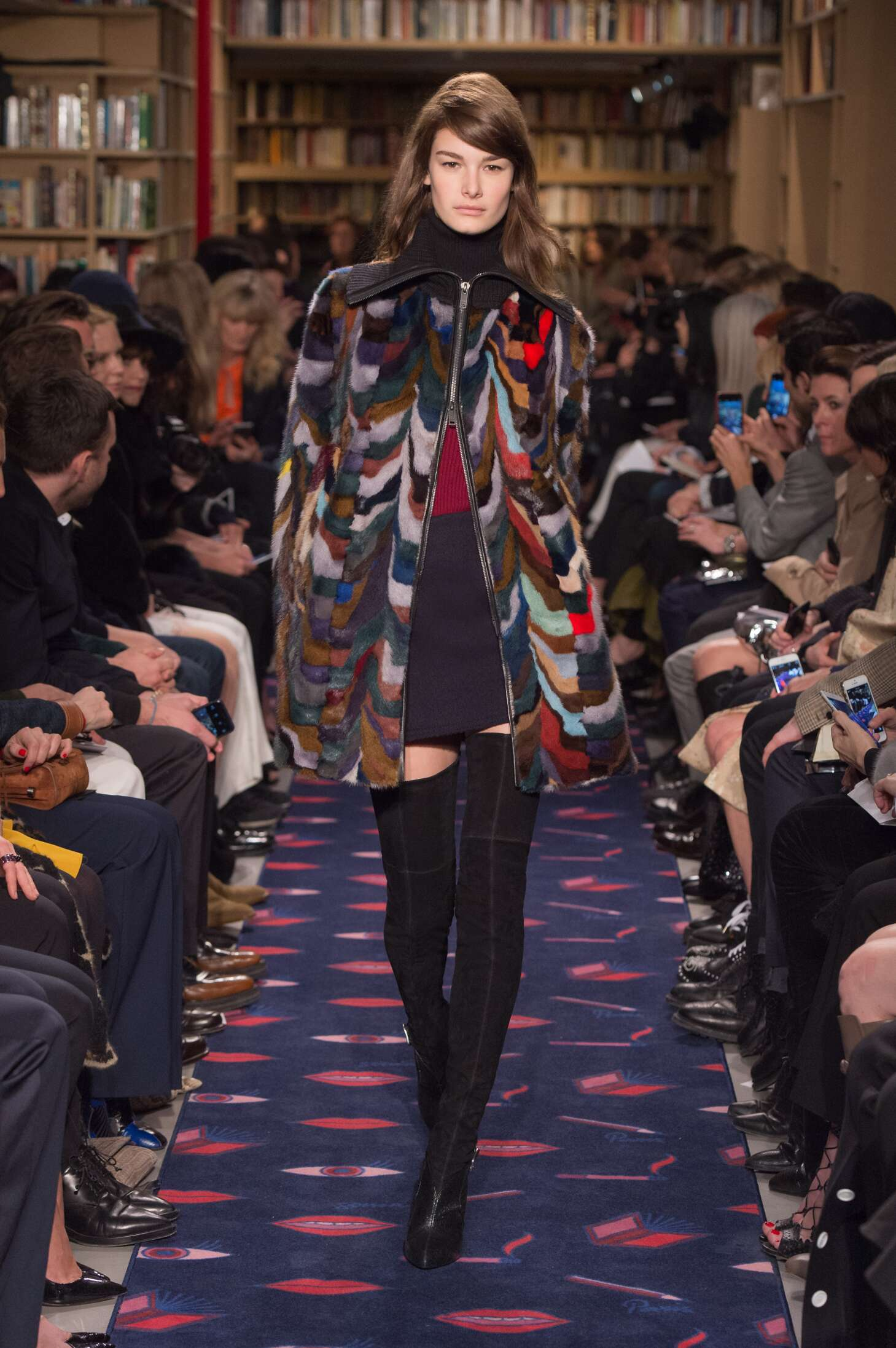2015 Fashion Woman Model Sonia Rykiel Collection Catwalk