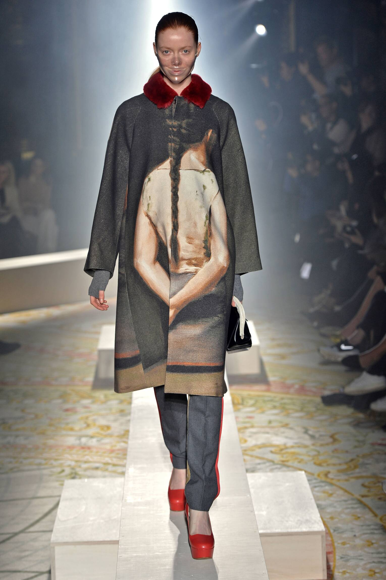 2015 Fashion Woman Model Undercover Collection Catwalk