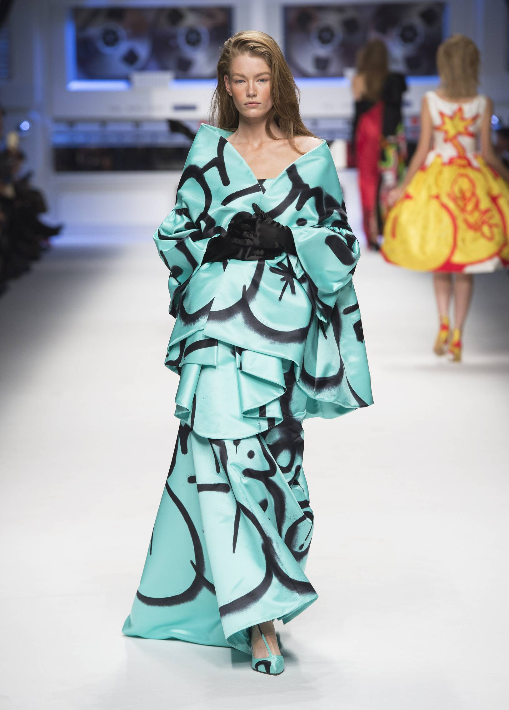 2015 Moschino Collection Woman