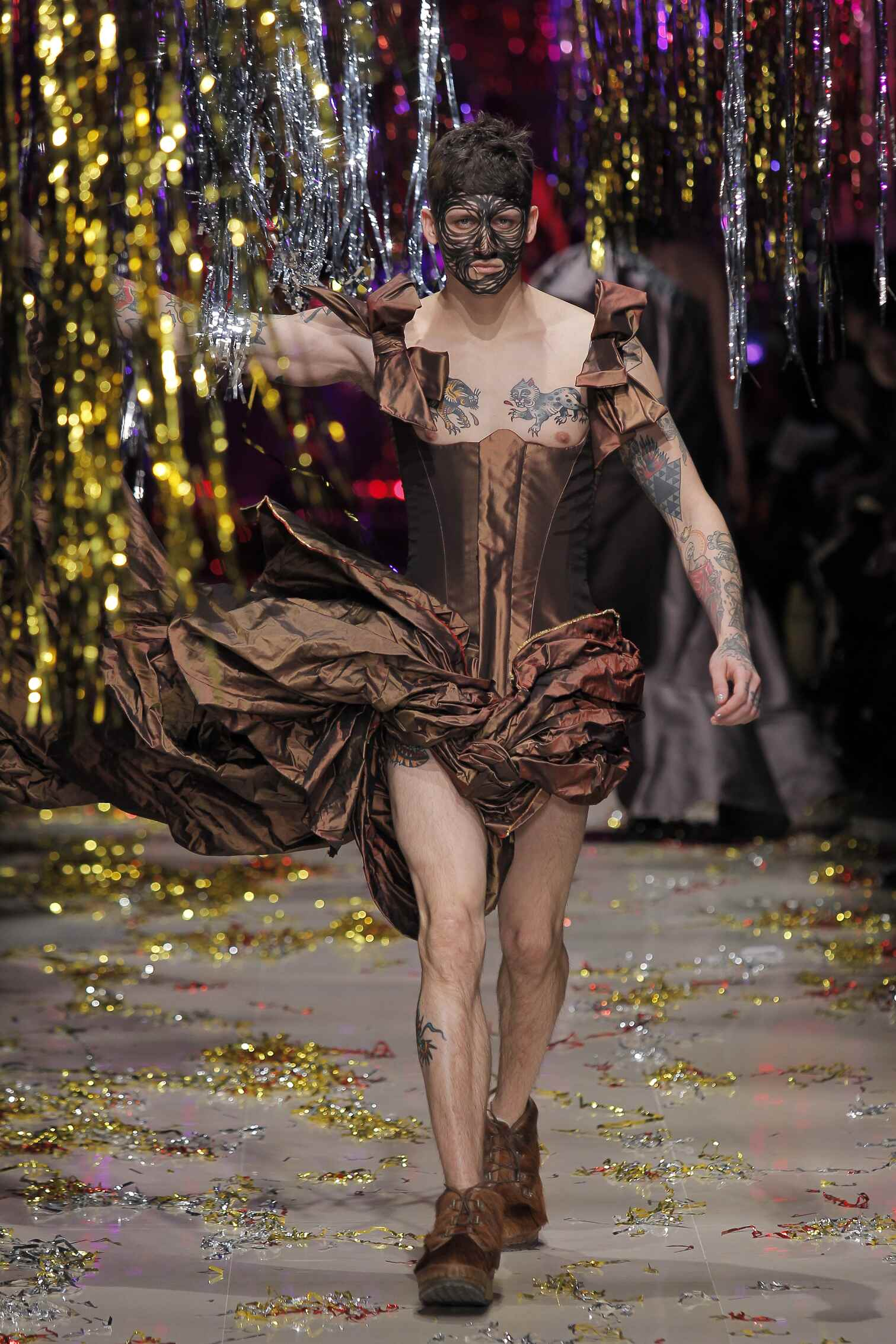 2015 Winter Fashion Show Vivienne Westwood Gold Label Collection