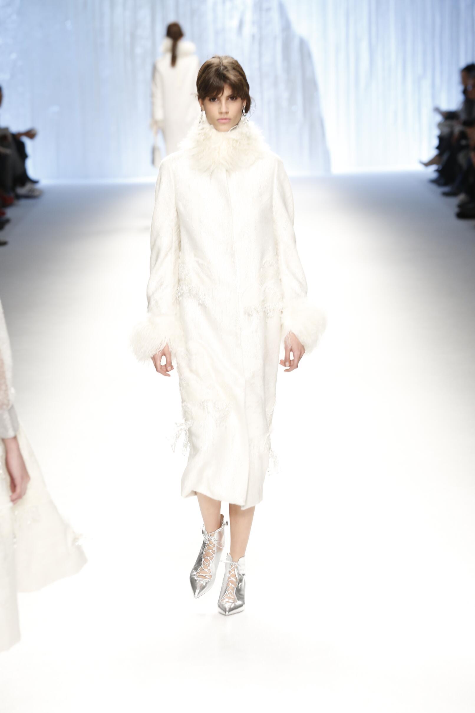 2015 Winter Trends Shiatzy Chen Collection