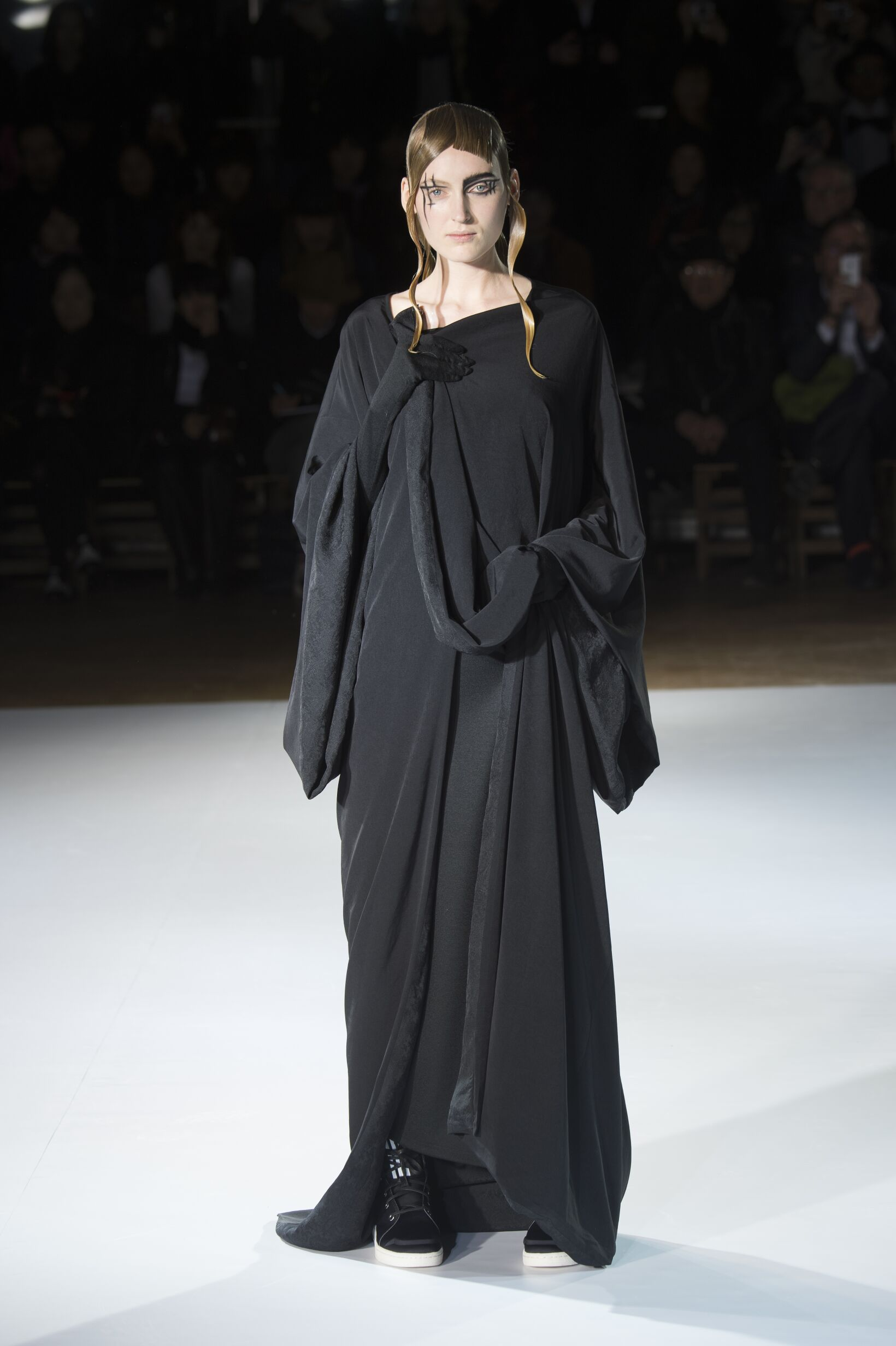 2016 Fall Fashion Woman Yohji Yamamoto Collection