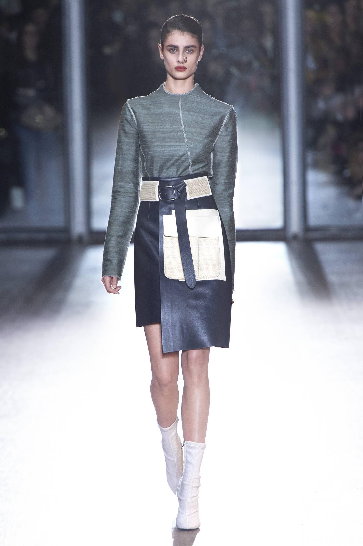 Acne Studios Collection Paris Fashion Week Womenswear