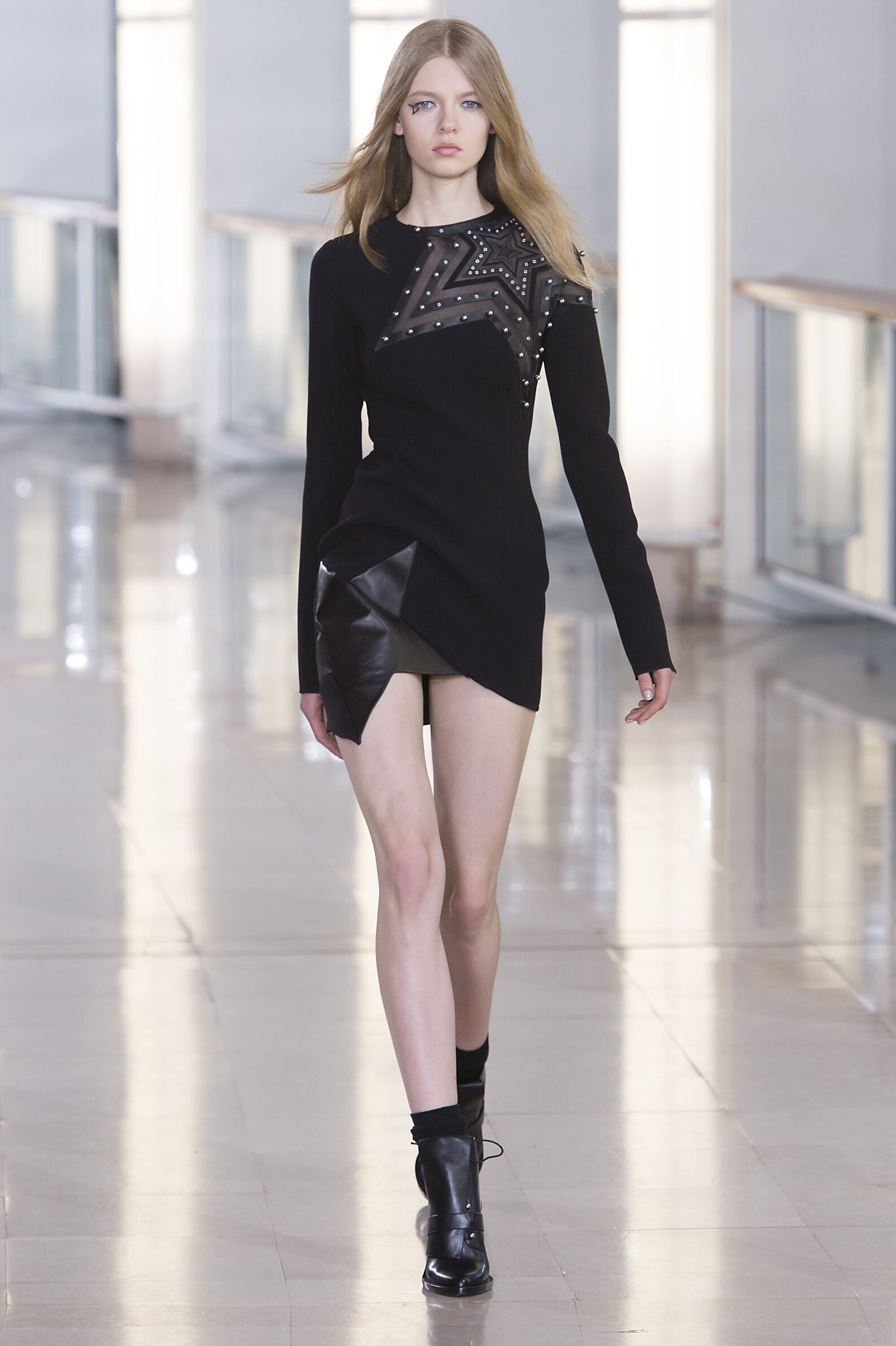 Anthony Vaccarello Collection Fall 2015 Catwalk
