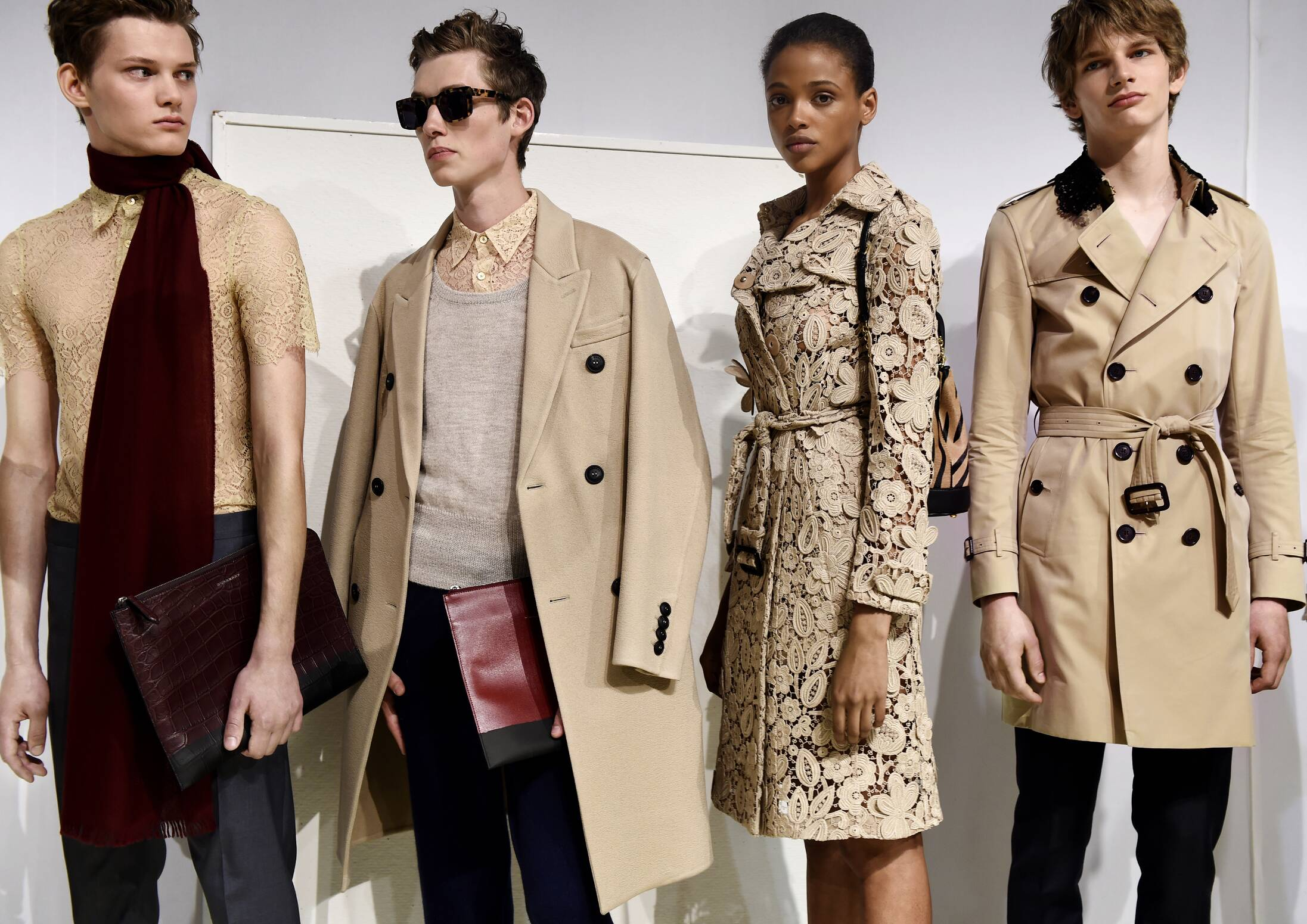 Backstage Burberry Spring Summer 2016