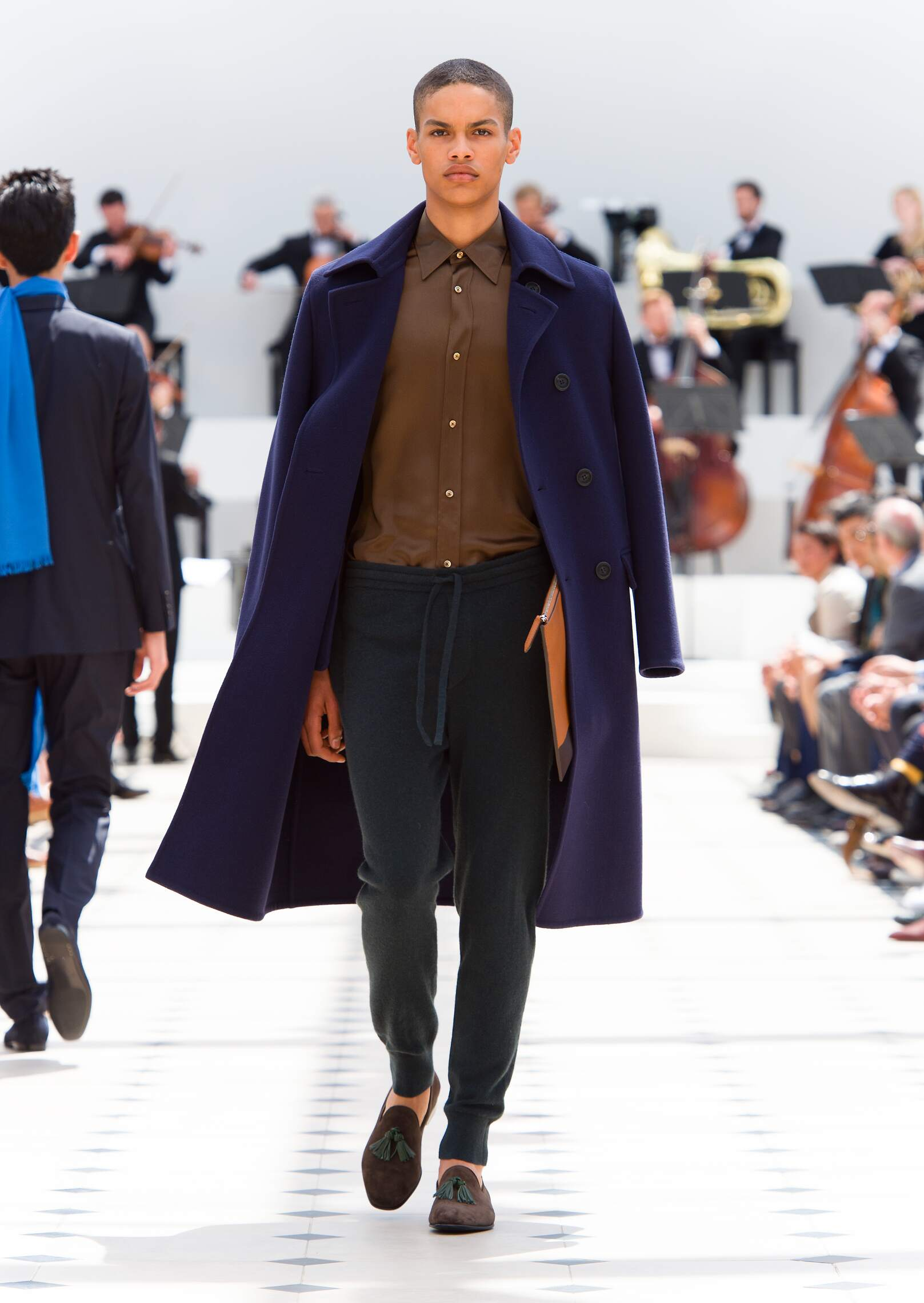 Burberry Prorsum Collection Spring 2016 Catwalk