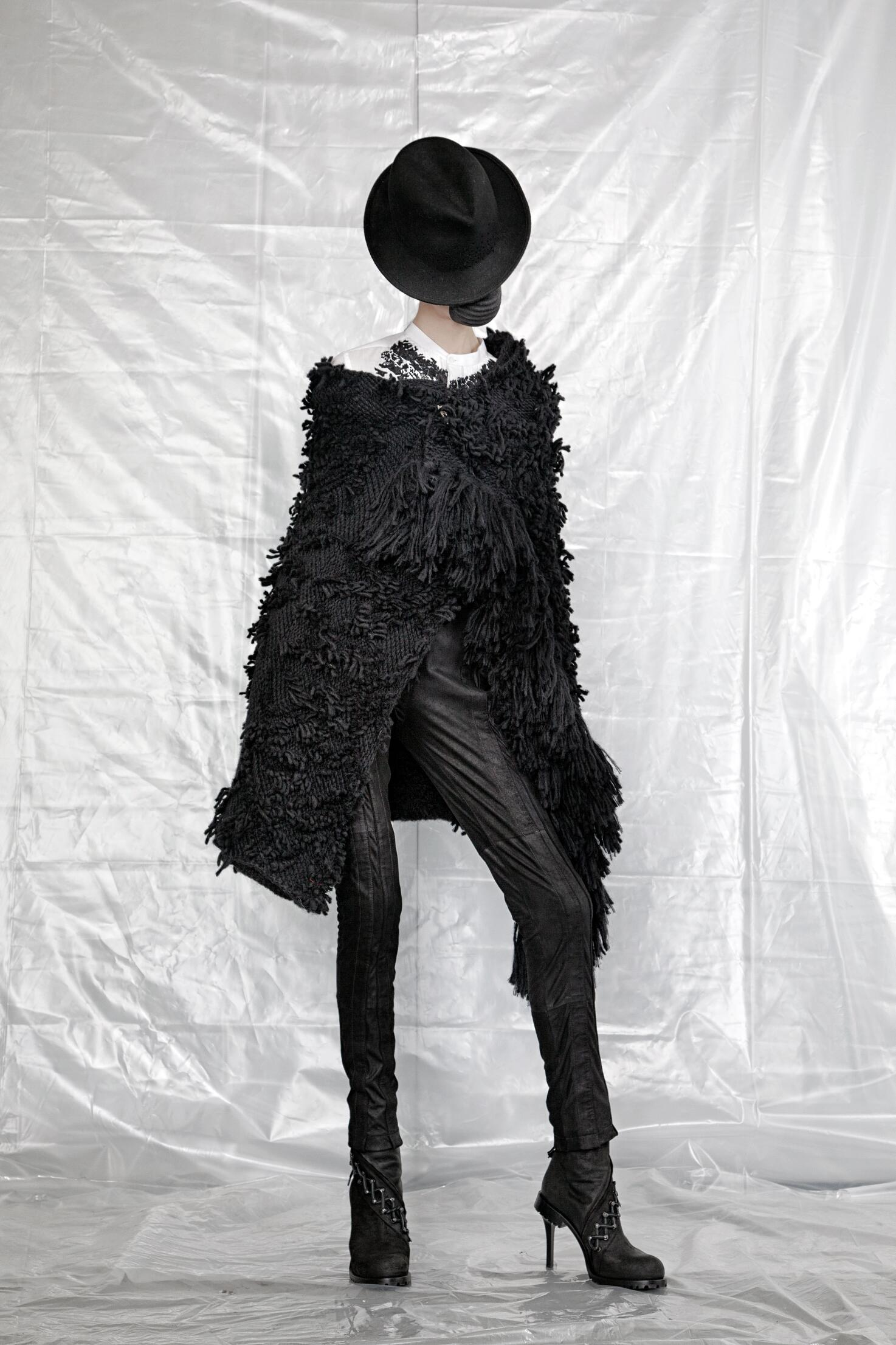 Catwalk A.F. Vandevorst Fall Winter 2015 16 Women's Collection Paris Fashion Week