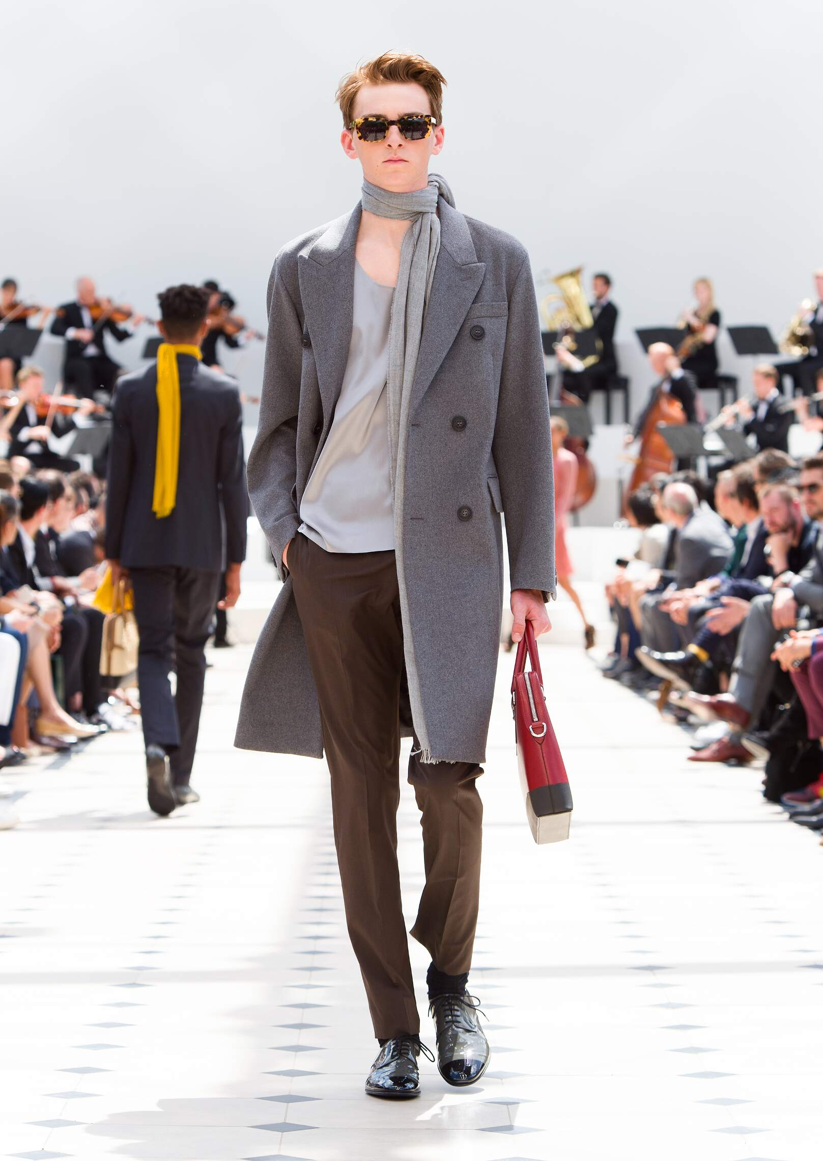 Catwalk Burberry Prorsum Collection Fashion Show Summer 2016