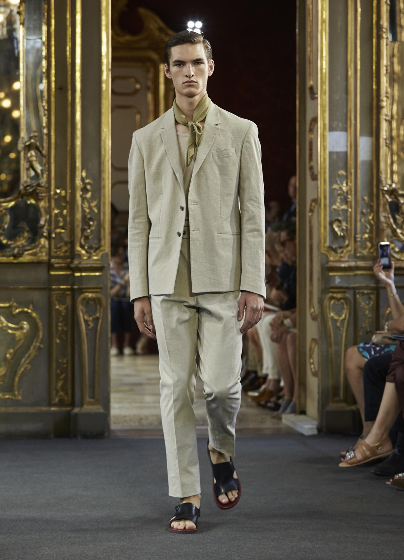Catwalk Corneliani Spring Summer 2016 Men's Collection Milan Fashion Week