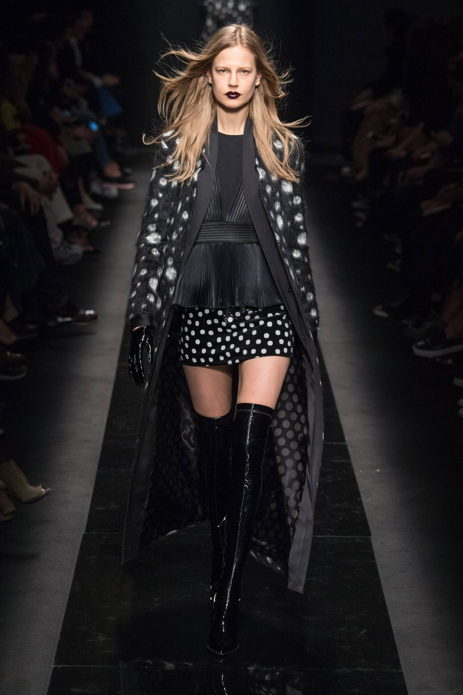Catwalk Emanuel Ungaro Collection Fashion Show Winter 2015