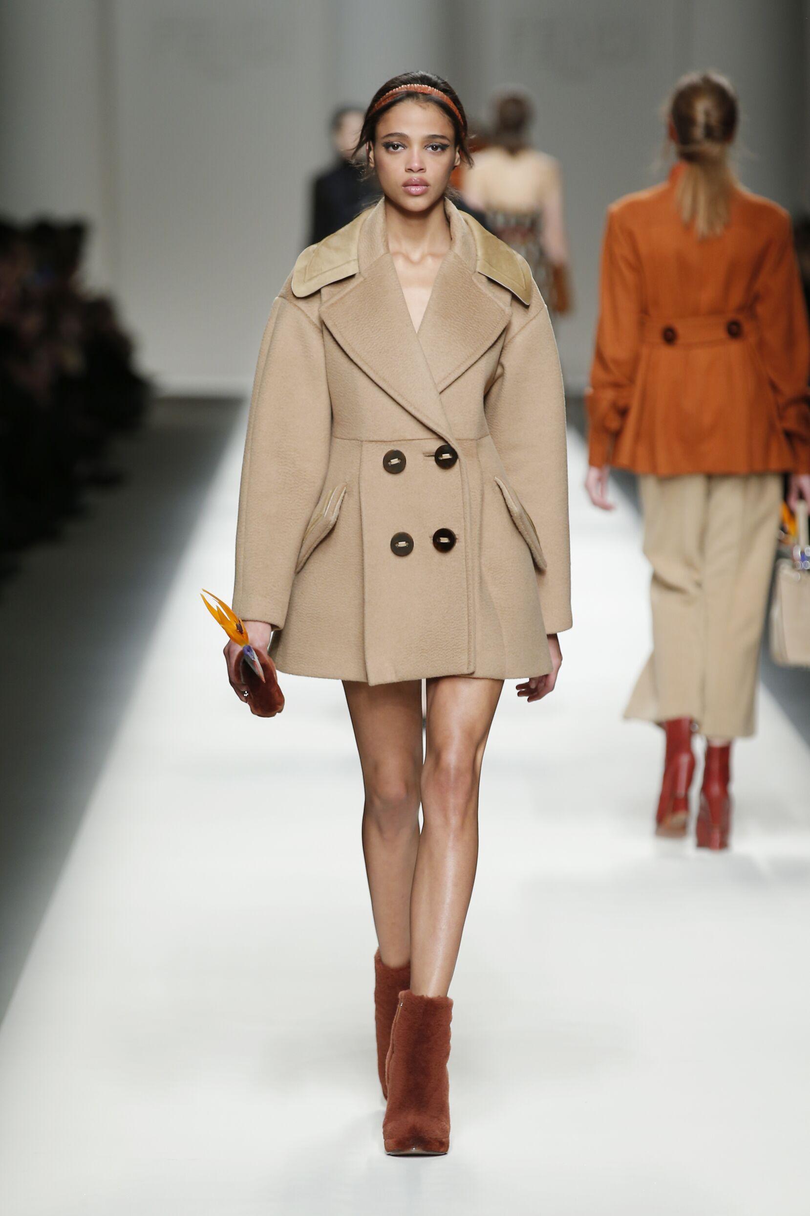 Catwalk Fendi Womenswear Collection Winter 2015