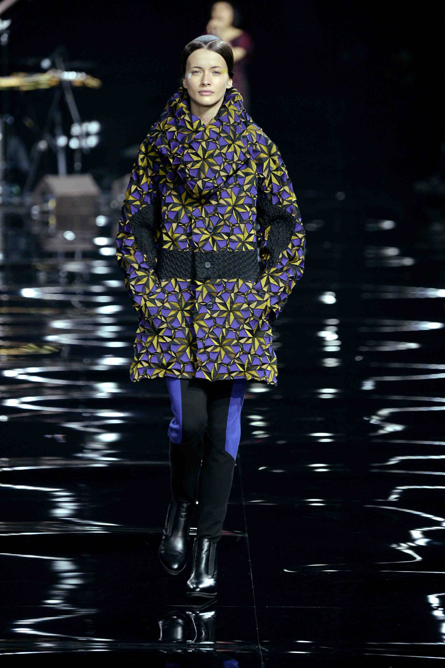 Catwalk Issey Miyake Fall Winter 2015 16 Women's Collection Paris Fashion Week