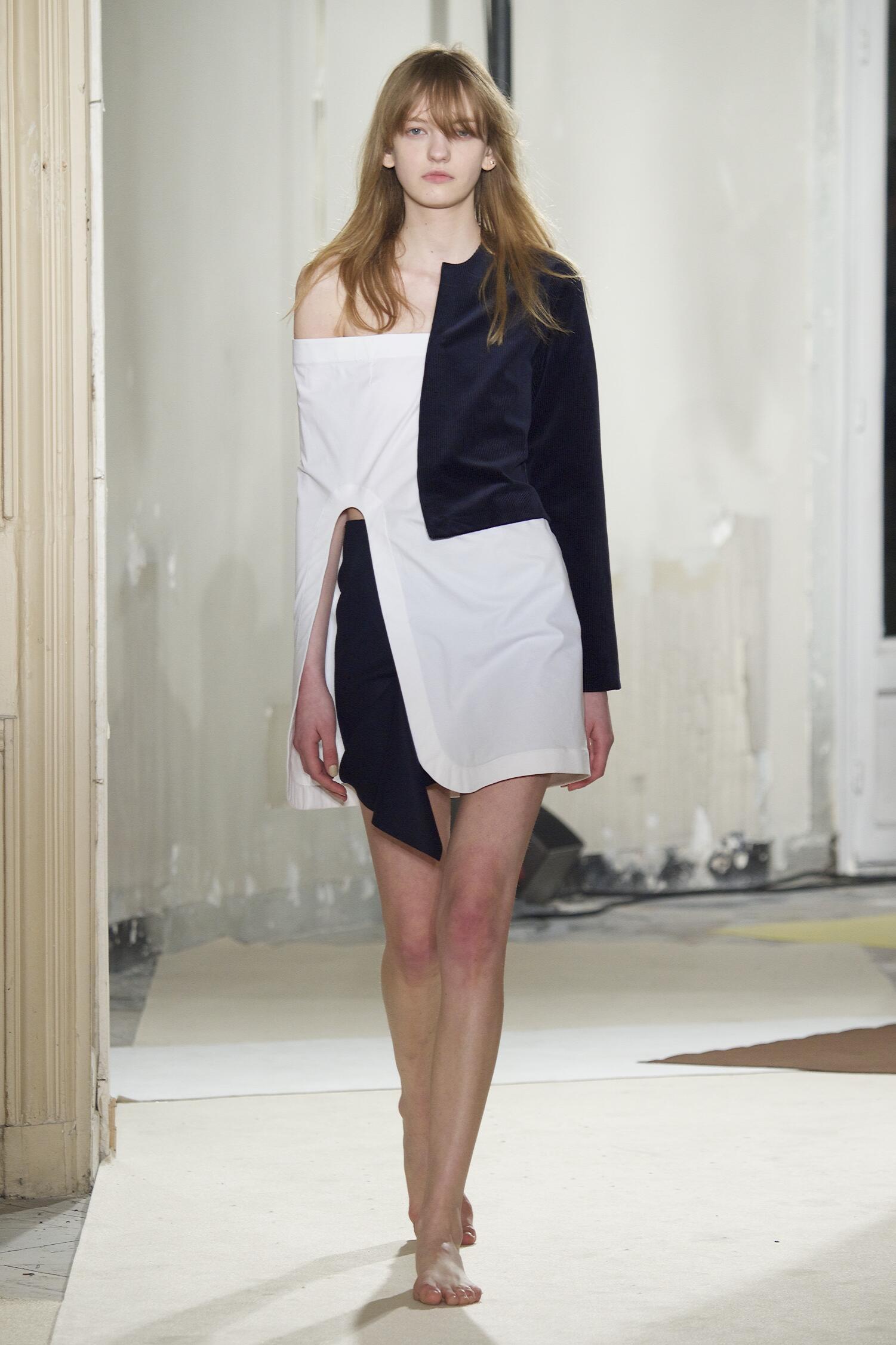 Catwalk Jacquemus Fall Winter 2015 16 Women's Collection Paris Fashion Week