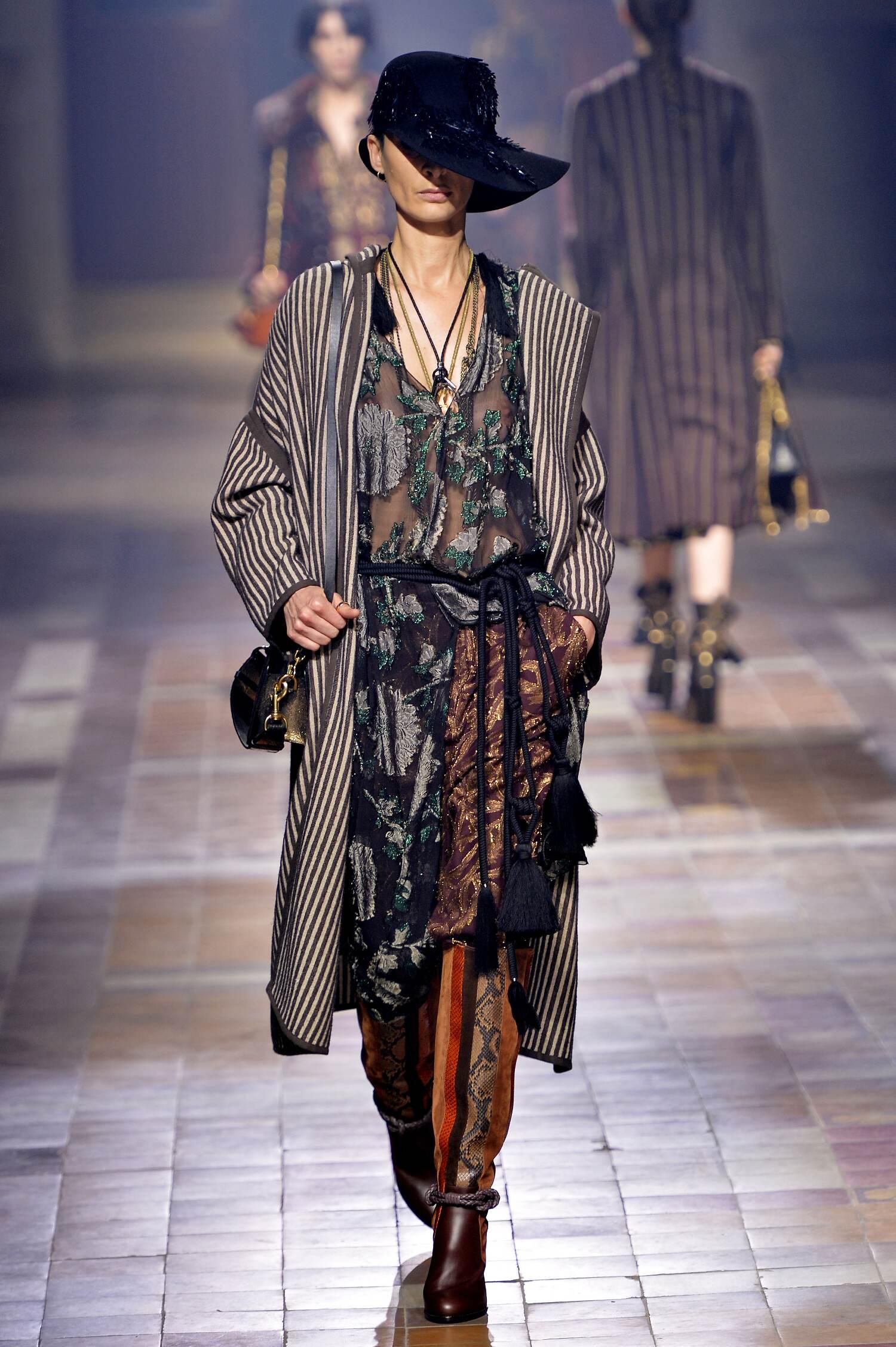 Catwalk Lanvin Fall Winter 2015 16 Women's Collection Paris Fashion Week