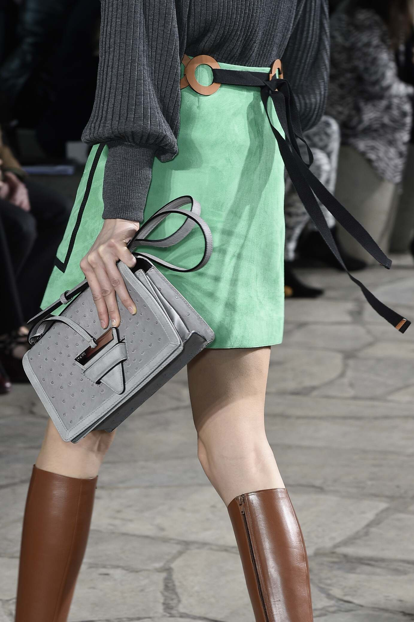 Catwalk Loewe Bag Detail Womenswear Colors Winter 2015