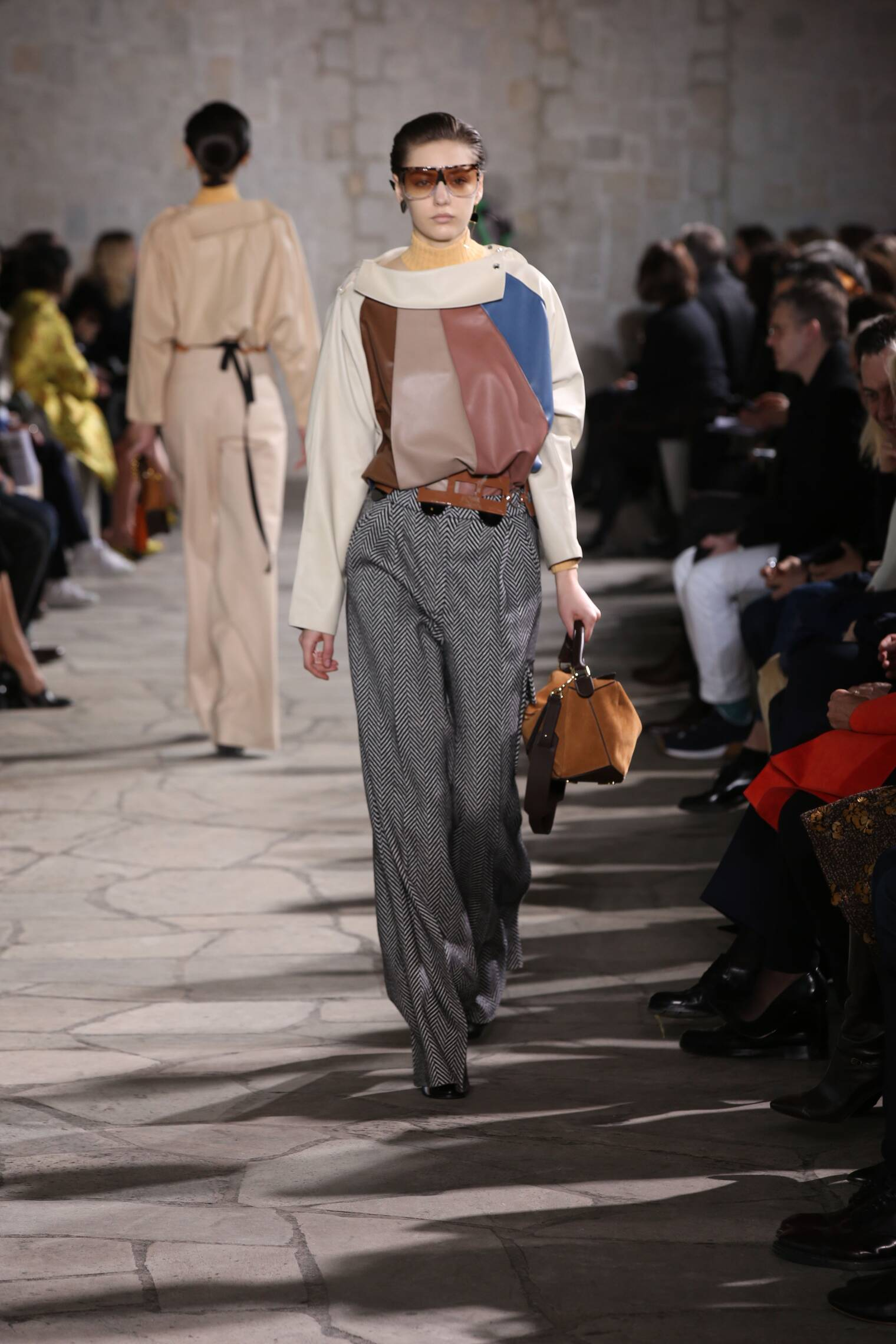 Catwalk Loewe Fall Winter 2015 16 Women's Collection Paris Fashion Week