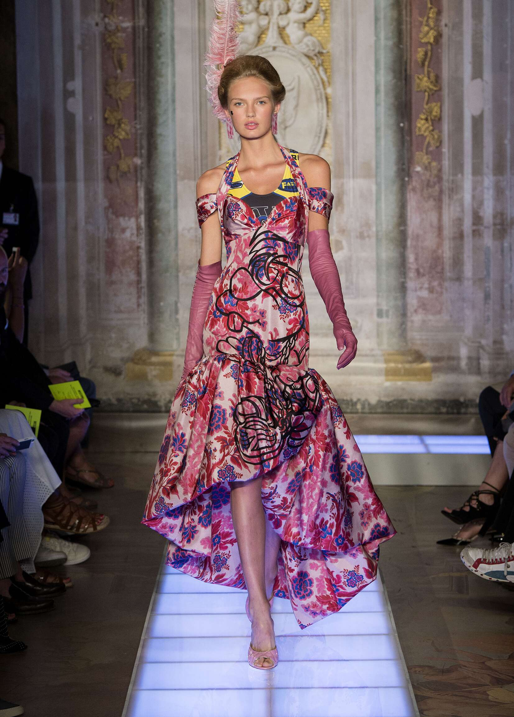 Catwalk Moschino Spring Summer 2016 Womenswear Pitti Immagine Florence