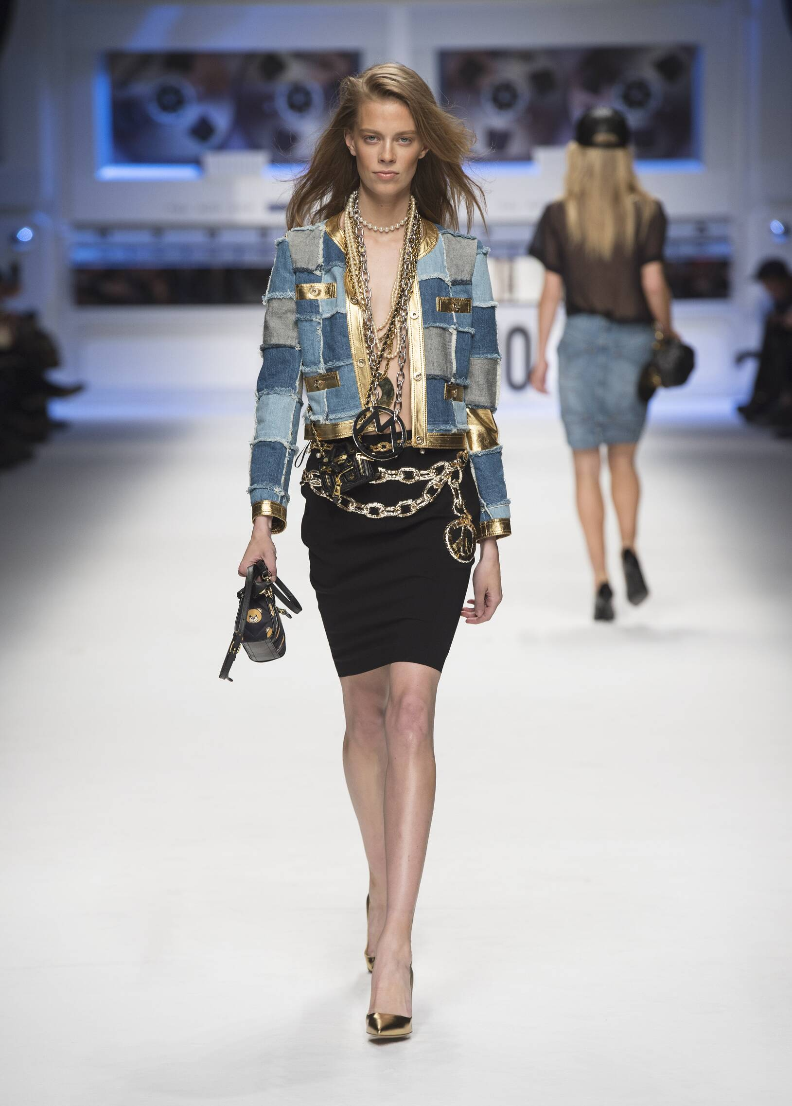 Catwalk Moschino Womenswear Collection Winter 2015