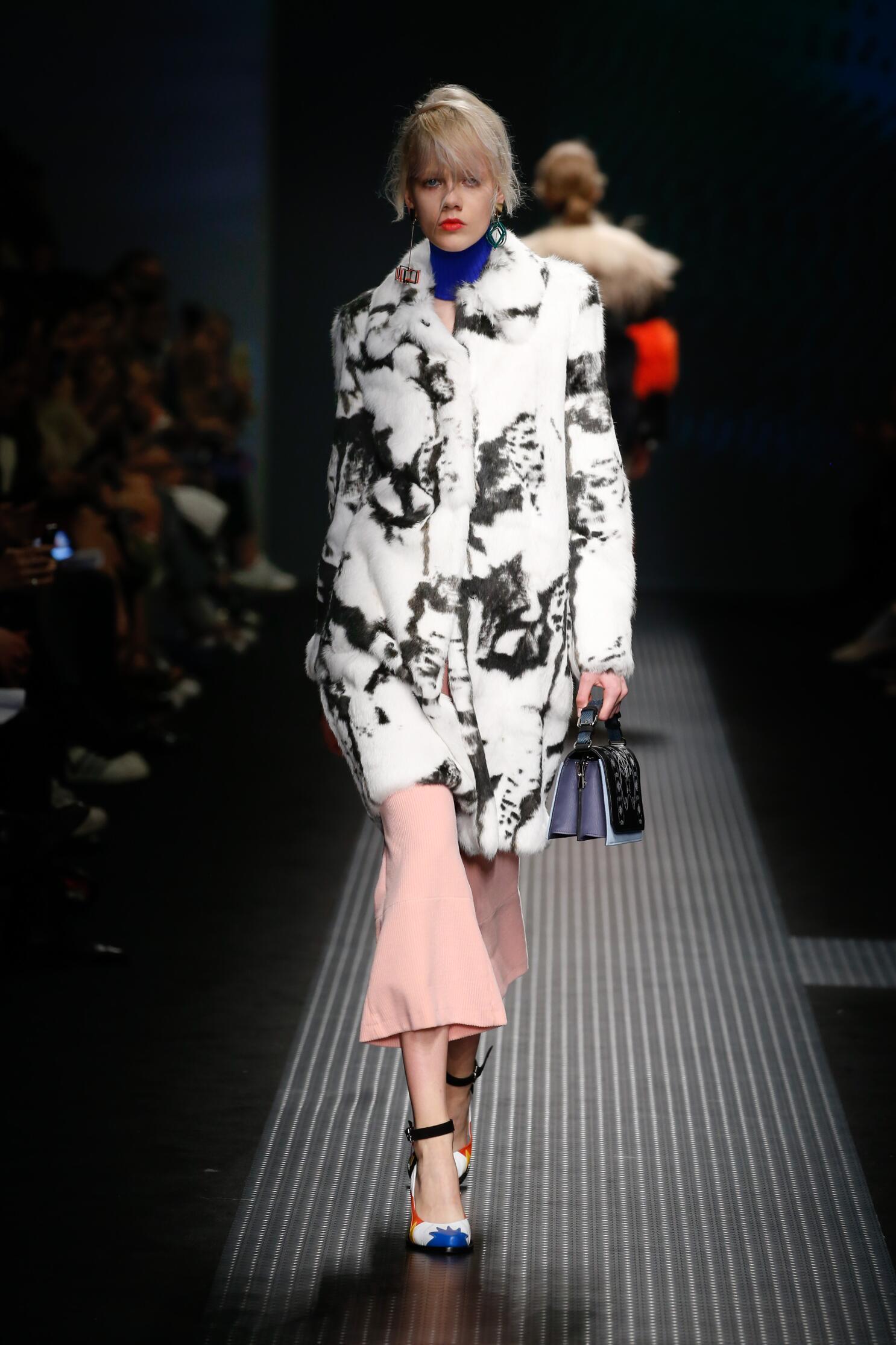 Catwalk Msgm Fall Winter 2015 16 Women's Collection Milan Fashion Week
