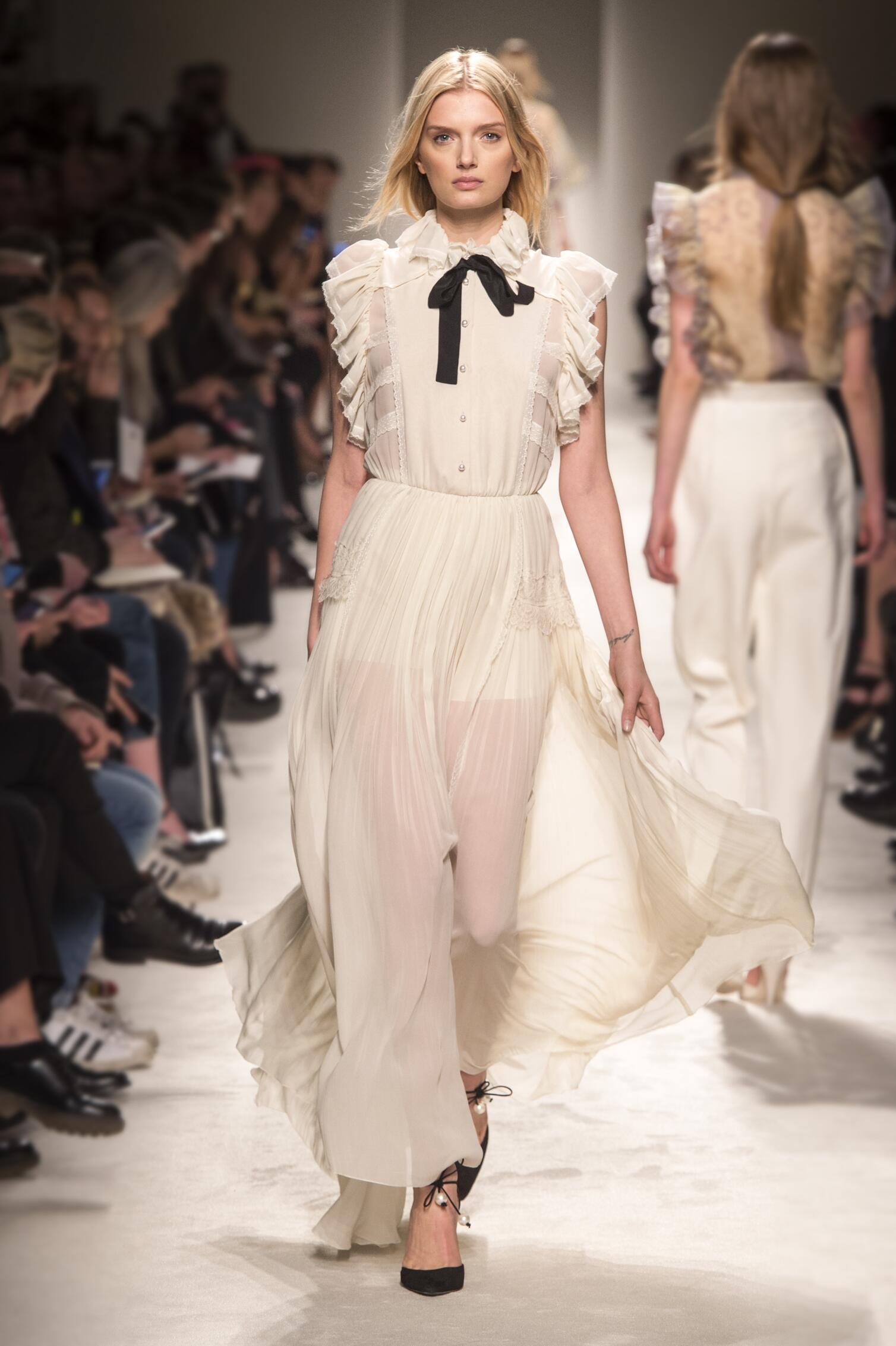 Catwalk Philosophy di Lorenzo Serafini Collection Fashion Show Winter 2015