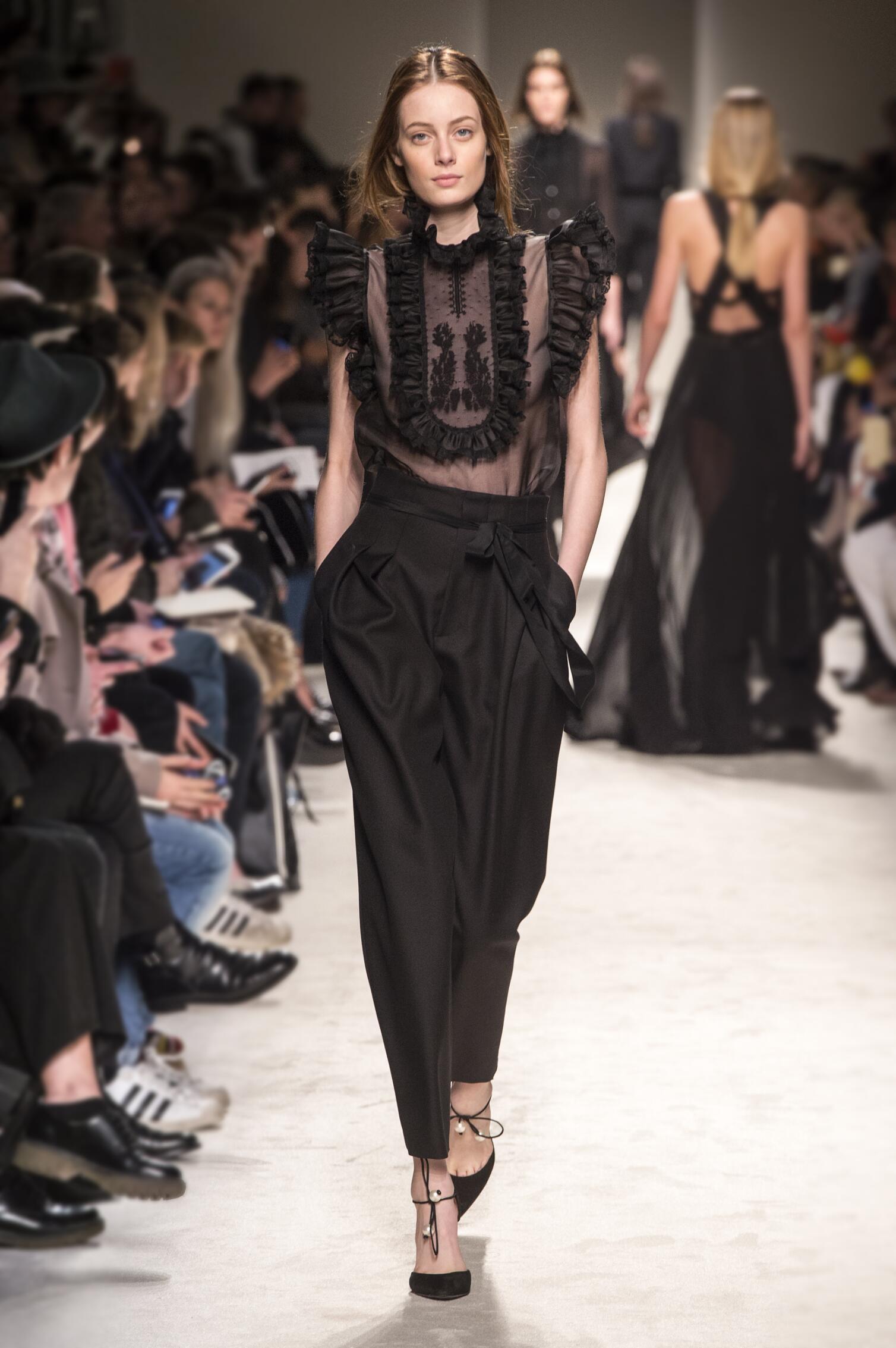 Catwalk Philosophy di Lorenzo Serafini Fall Winter 2015 16 Women's Collection Milan Fashion Week