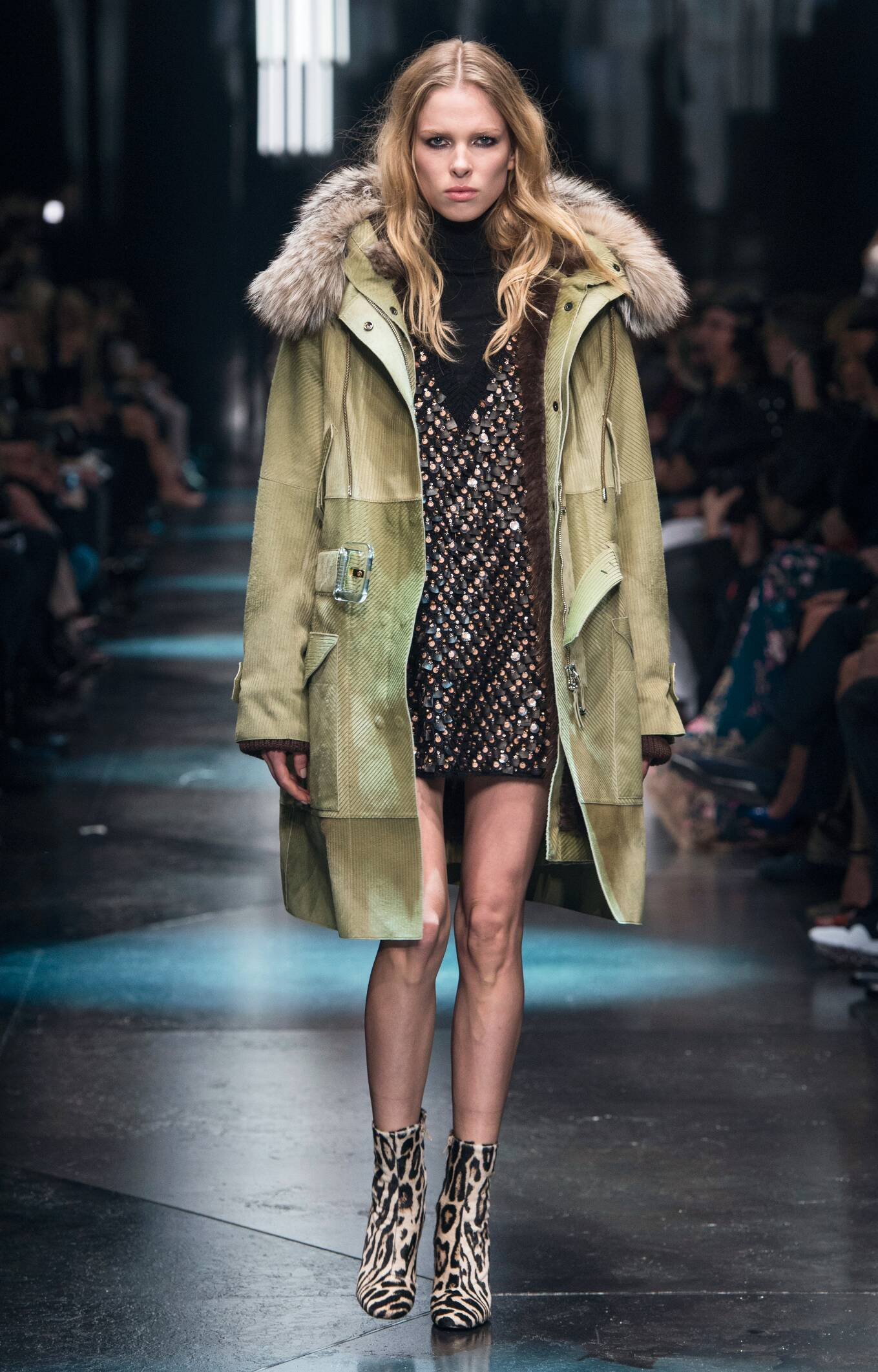 Catwalk Roberto Cavalli Fall Winter 2015 16 Women's Collection Milan Fashion Week
