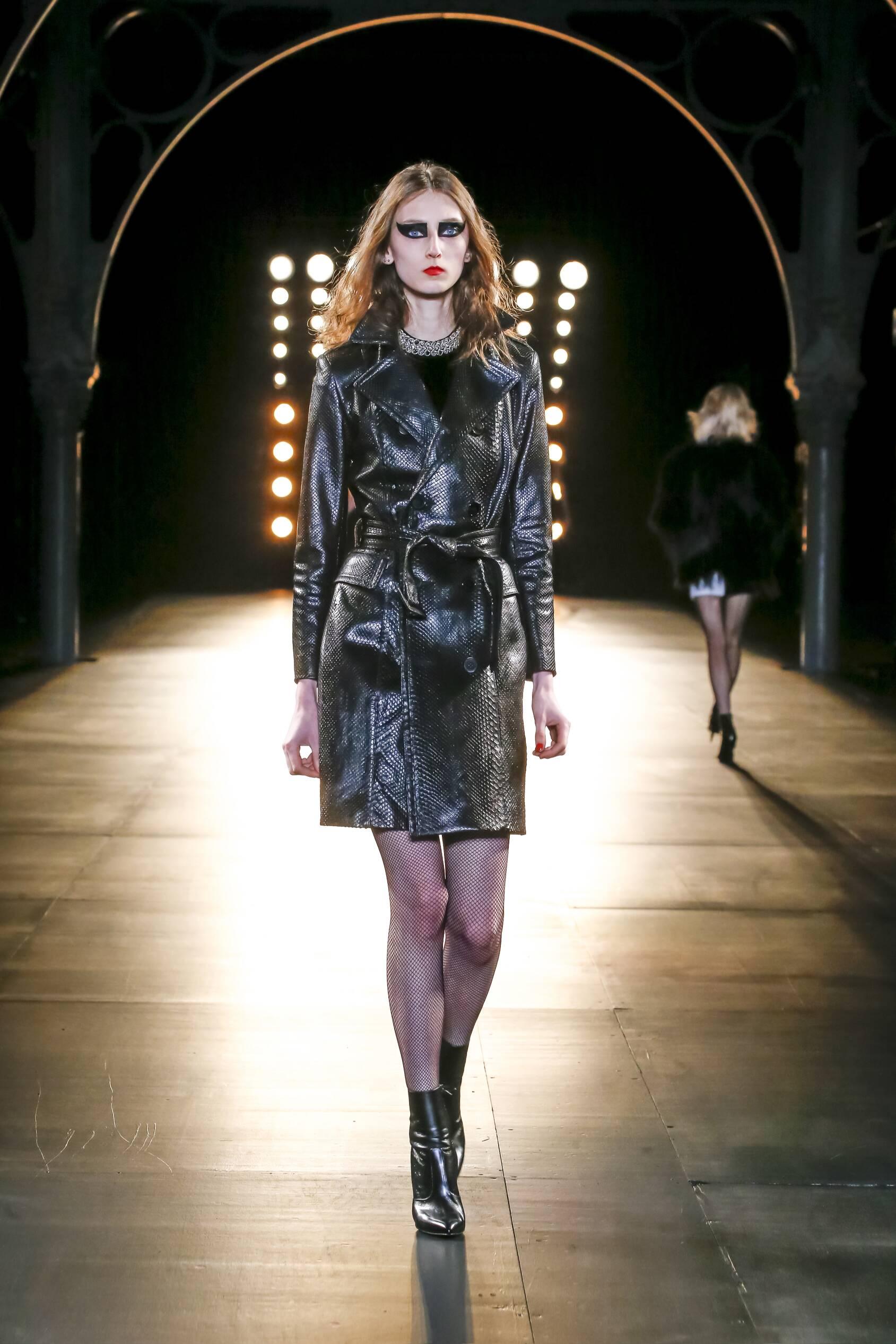 Catwalk Saint Laurent Fall Winter 2015 16 Women's Collection Paris Fashion Week