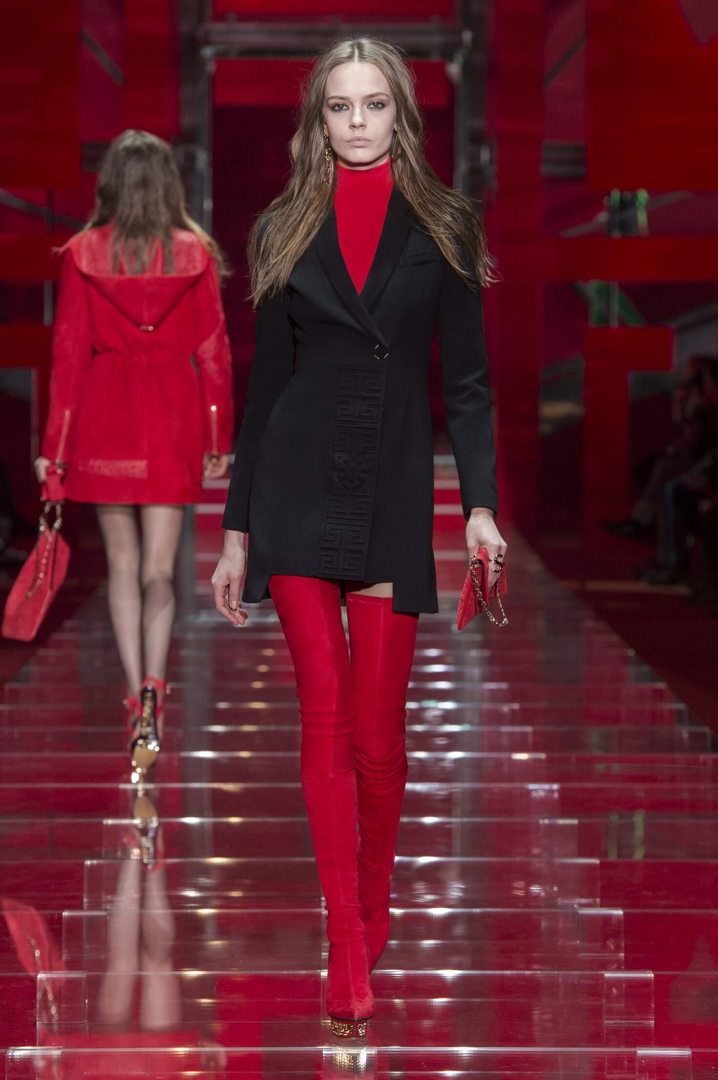 Catwalk Versace Womenswear Collection Winter 2015
