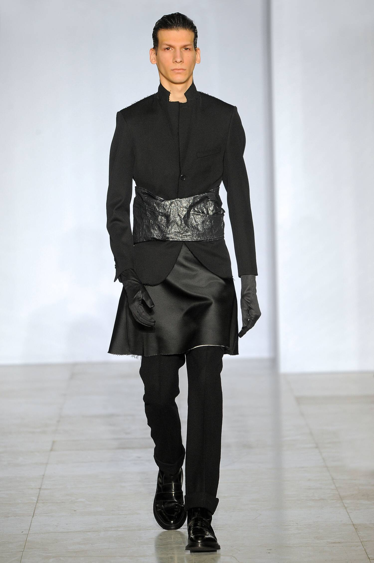 Catwalk Yang Li Fall Winter 2015 16 Men's Collection Paris Fashion Week