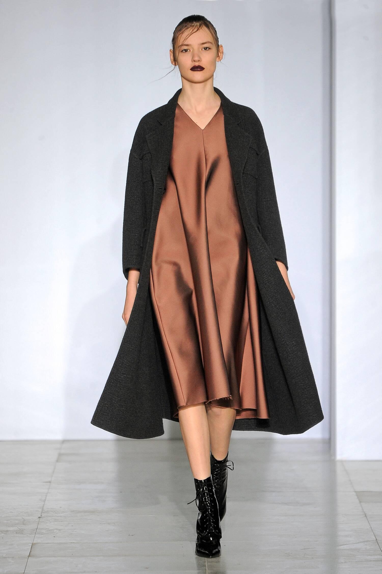 Catwalk Yang Li Womenswear Collection Winter 2015