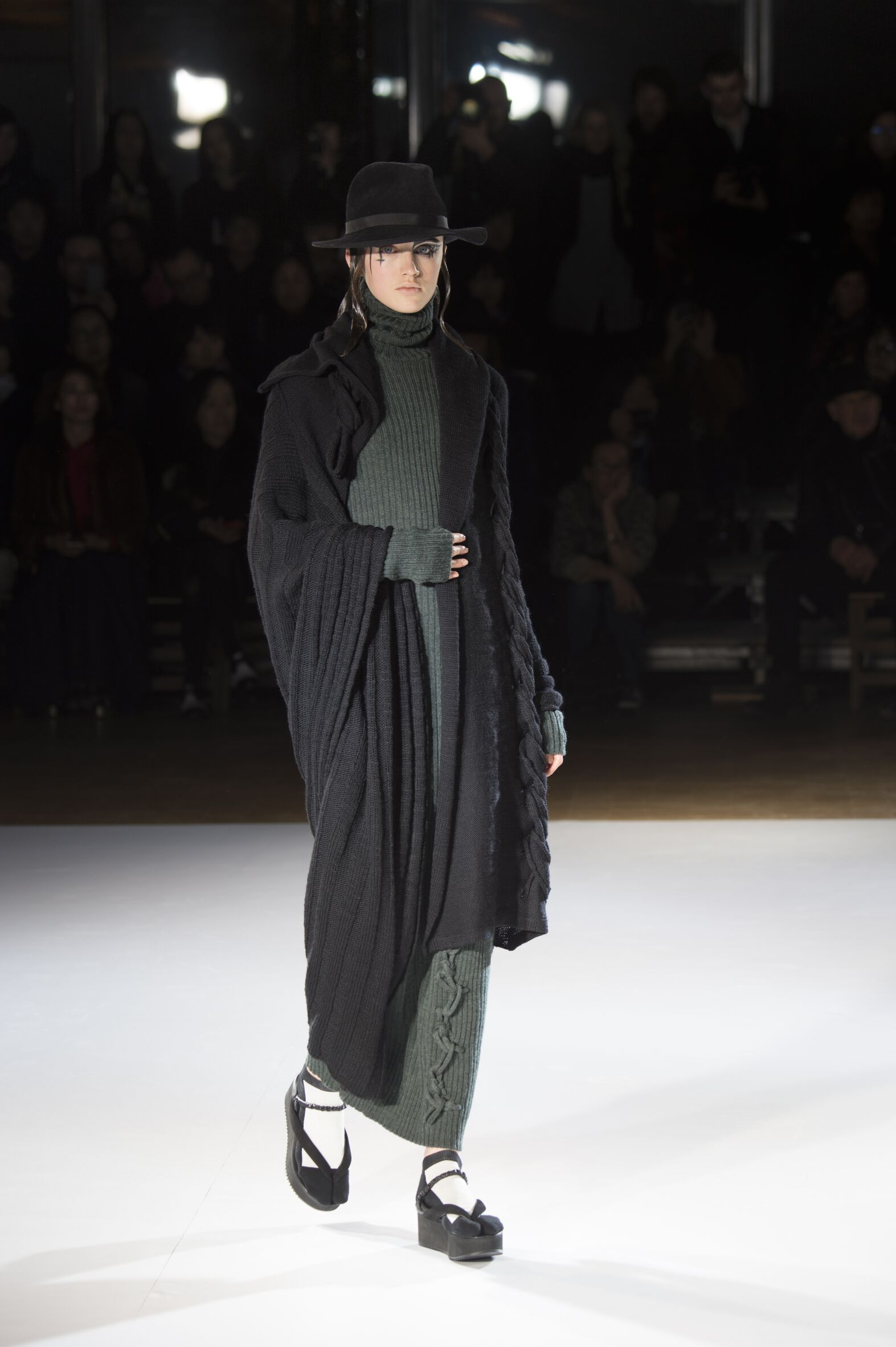 Catwalk Yohji Yamamoto Womenswear Collection Winter 2015