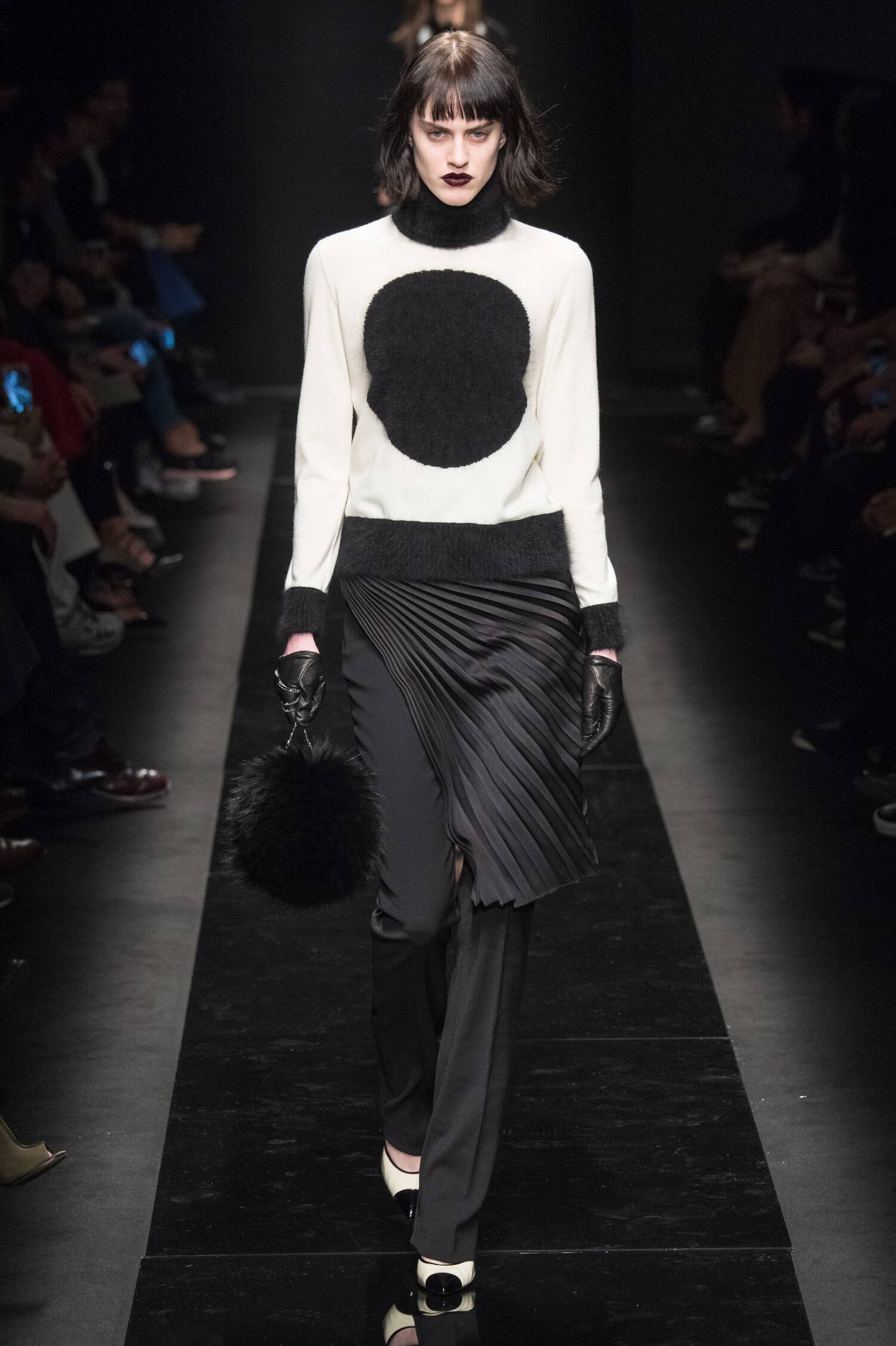 Emanuel Ungaro Collection Paris Fashion Week